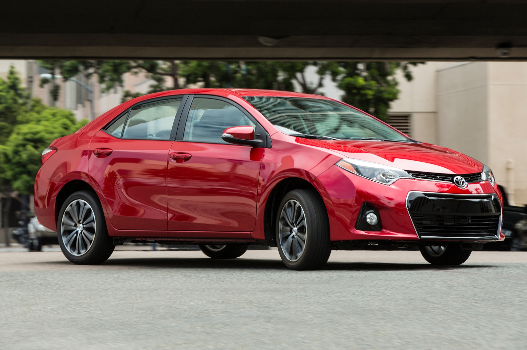 toyota corolla overtakes honda civic in compact sales. Black Bedroom Furniture Sets. Home Design Ideas