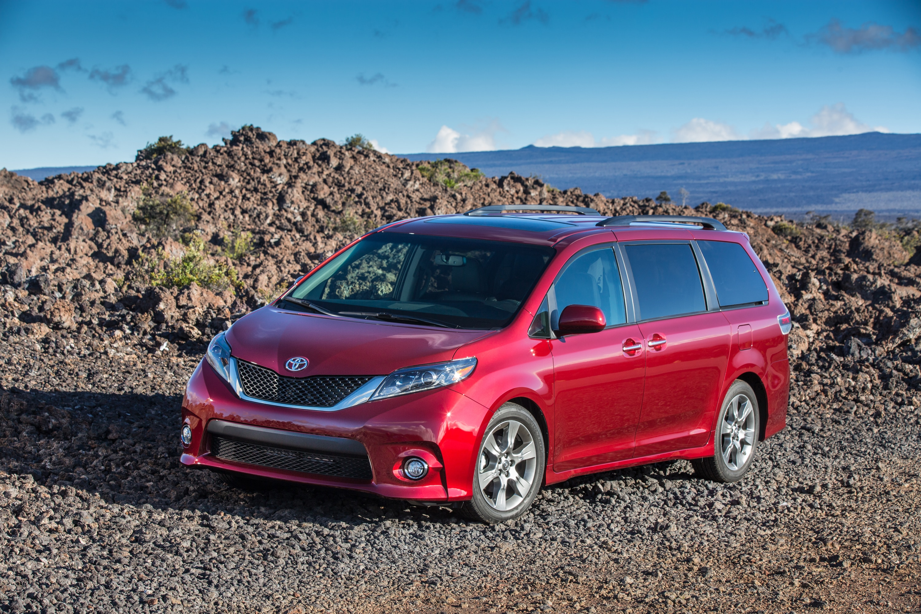 toyota creates the ultimate off road sienna minivan monster. Black Bedroom Furniture Sets. Home Design Ideas