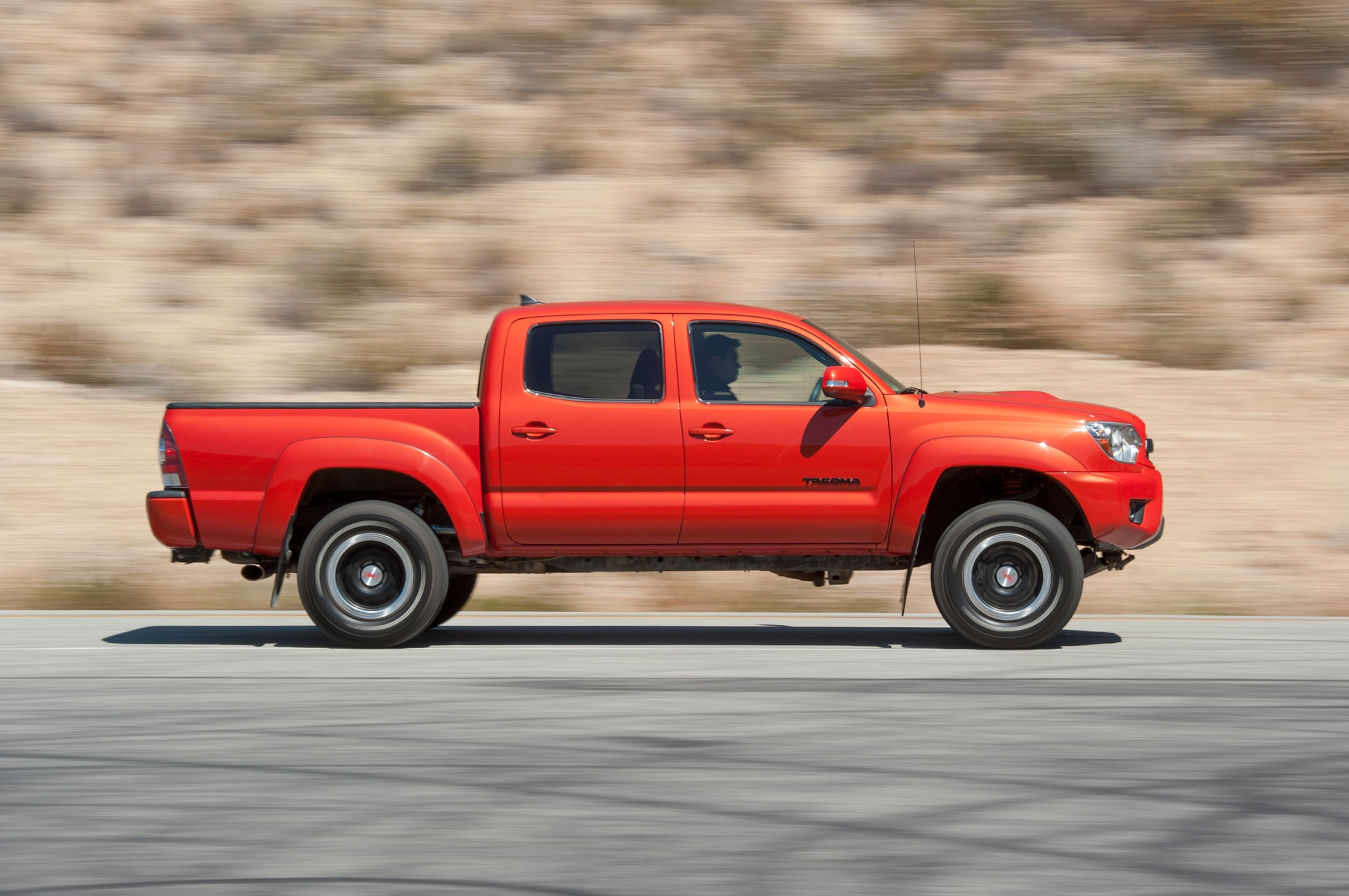 toyota hilux pickup spied could preview new toyota tacoma. Black Bedroom Furniture Sets. Home Design Ideas