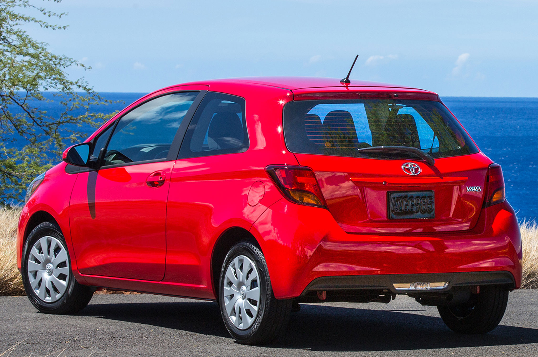 2015 toyota yaris review. Black Bedroom Furniture Sets. Home Design Ideas