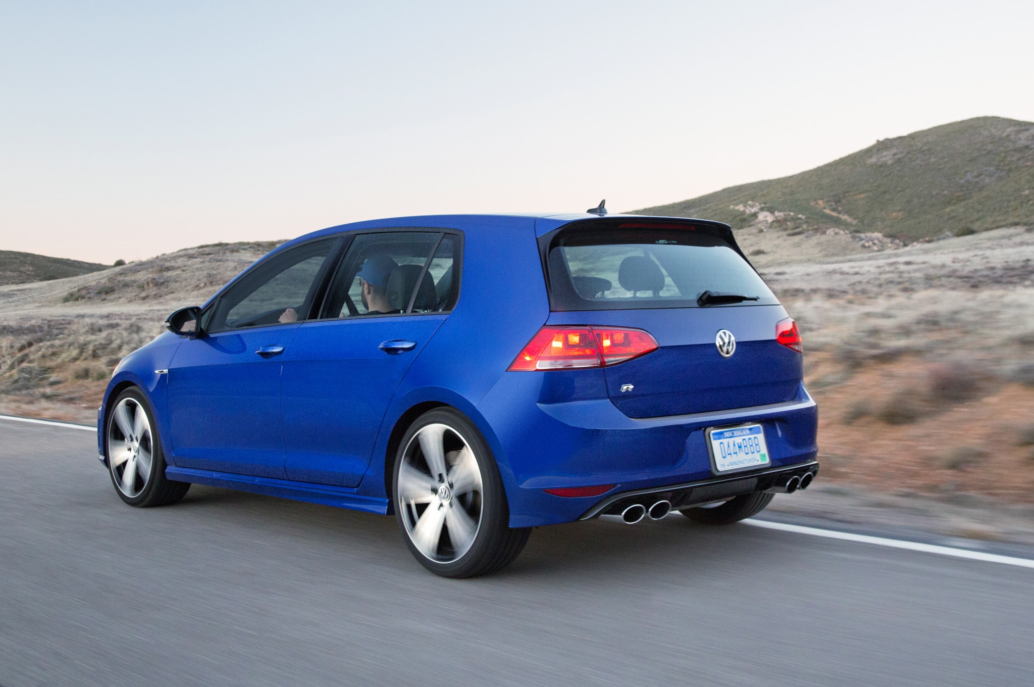 2015 volkswagen golf r dsg review. Black Bedroom Furniture Sets. Home Design Ideas