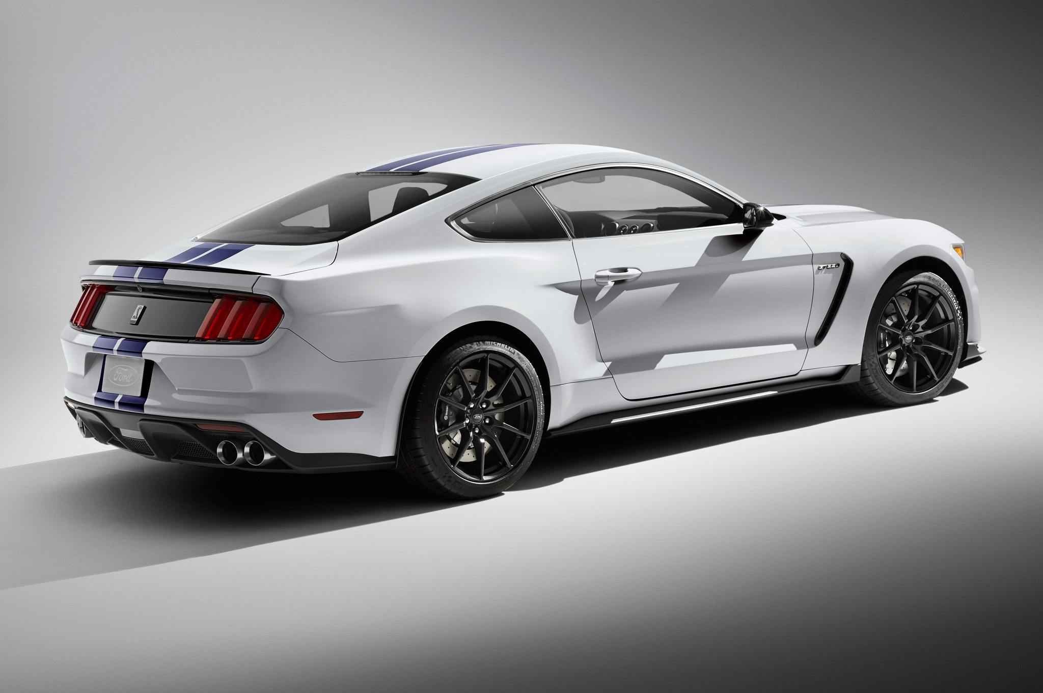 2016 ford shelby gt350 mustang - 2015 Ford Mustang White Convertible