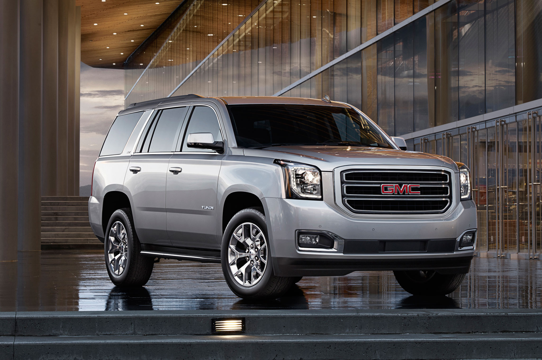 2016 gmc yukon slt premium gets the denali styling treatment. Black Bedroom Furniture Sets. Home Design Ideas