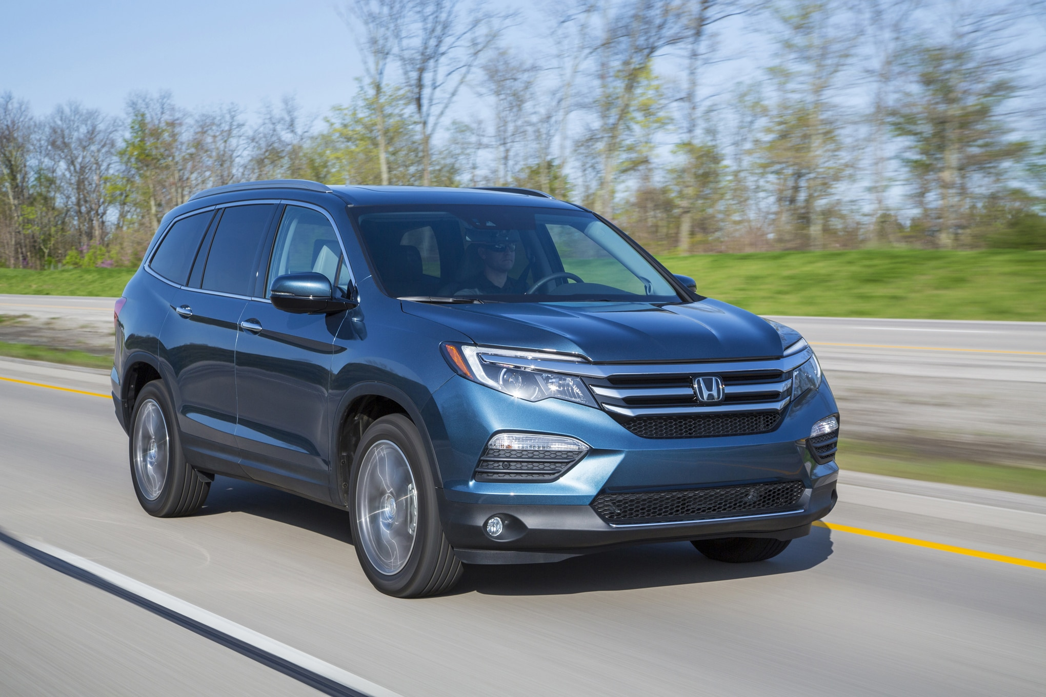 the 8 coolest features on the 2016 honda pilot. Black Bedroom Furniture Sets. Home Design Ideas