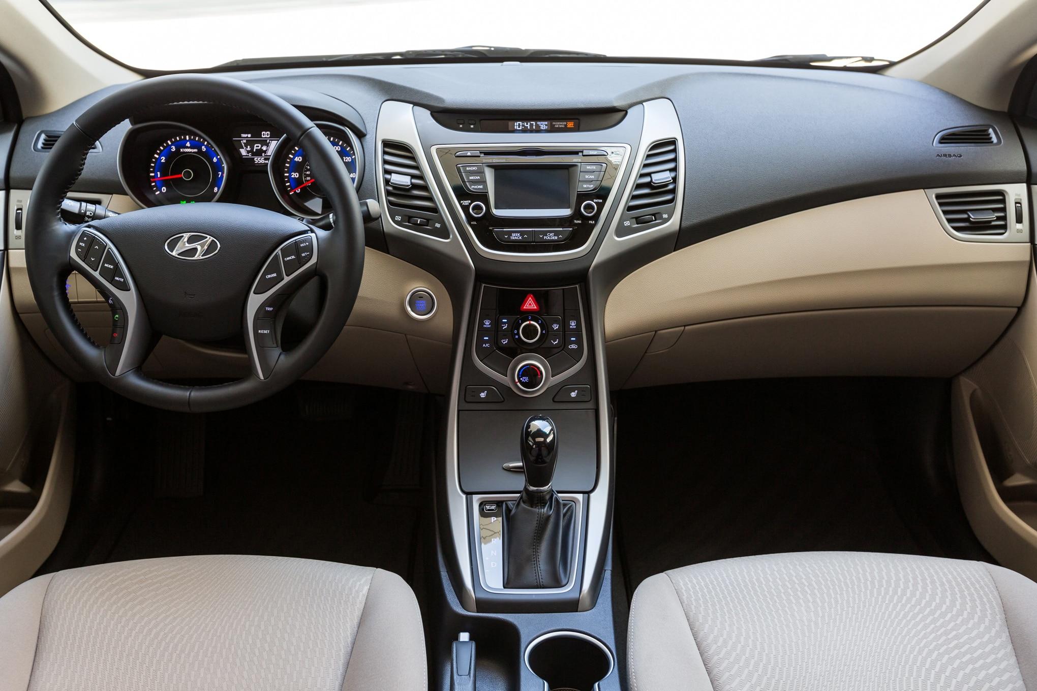 2016 Hyundai Elantra. 22 162