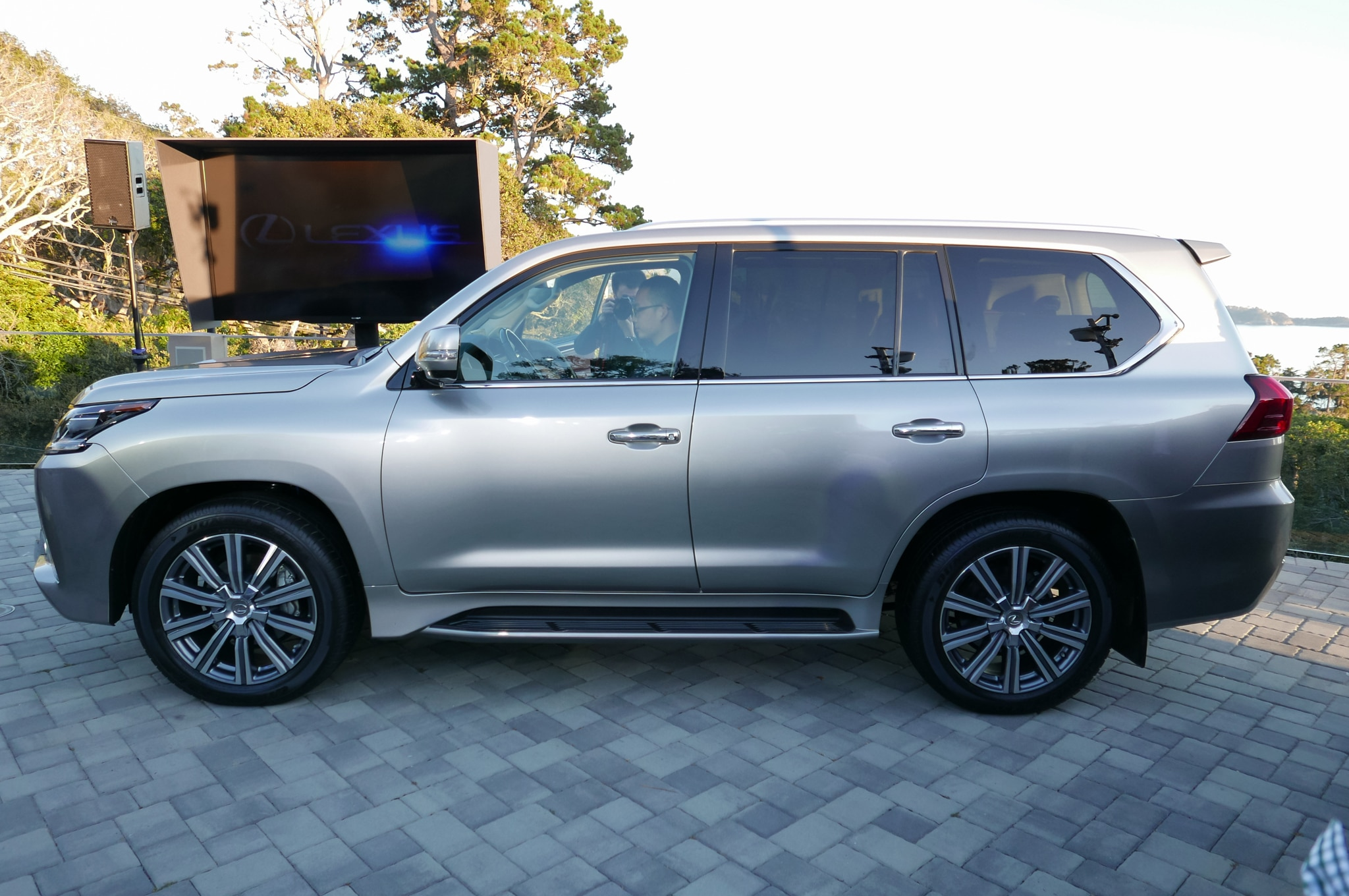 watch a 2016 lexus lx 570 climb some rocks on ignition. Black Bedroom Furniture Sets. Home Design Ideas