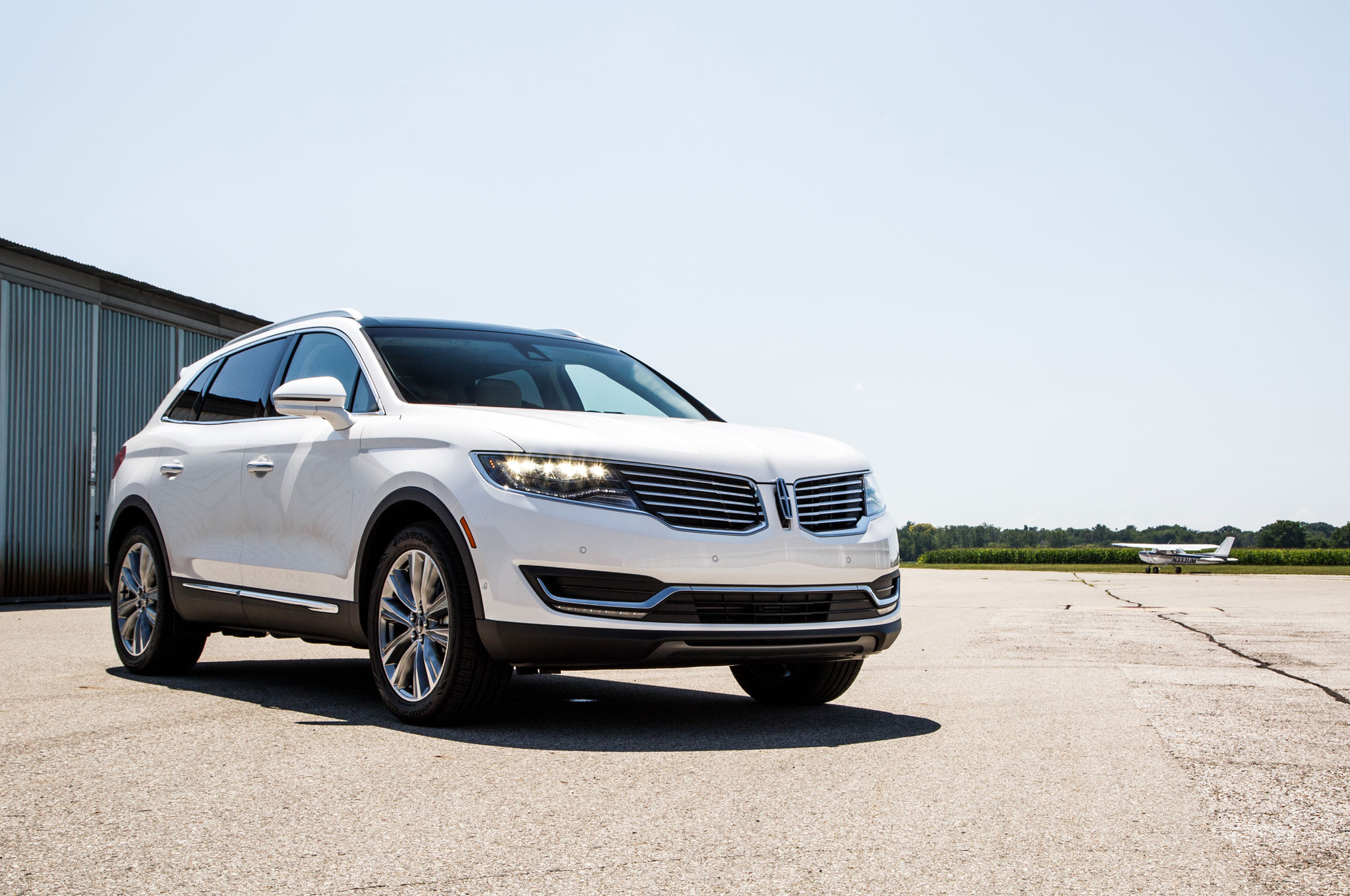 2016 lincoln mkx brings stretched mkc looks to detroit. Black Bedroom Furniture Sets. Home Design Ideas