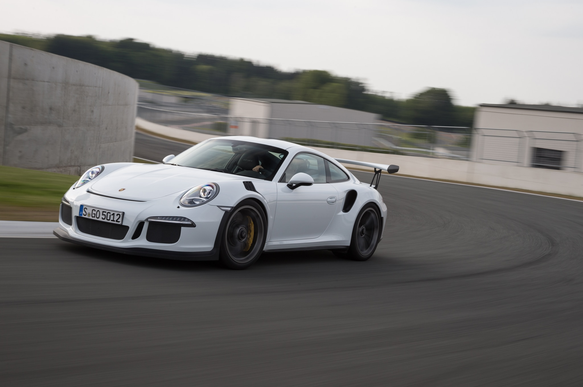 2016 porsche 911 gt3 rs debuts in geneva starts at 176 895