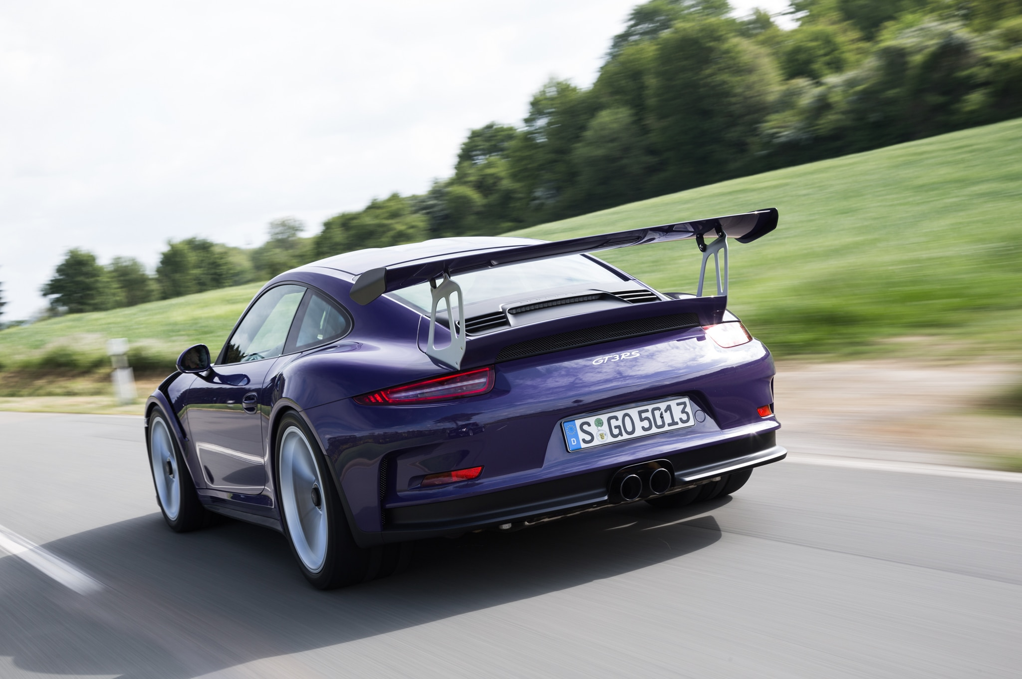2016 porsche 911 gt3 rs debuts in geneva starts at 176 895. Black Bedroom Furniture Sets. Home Design Ideas