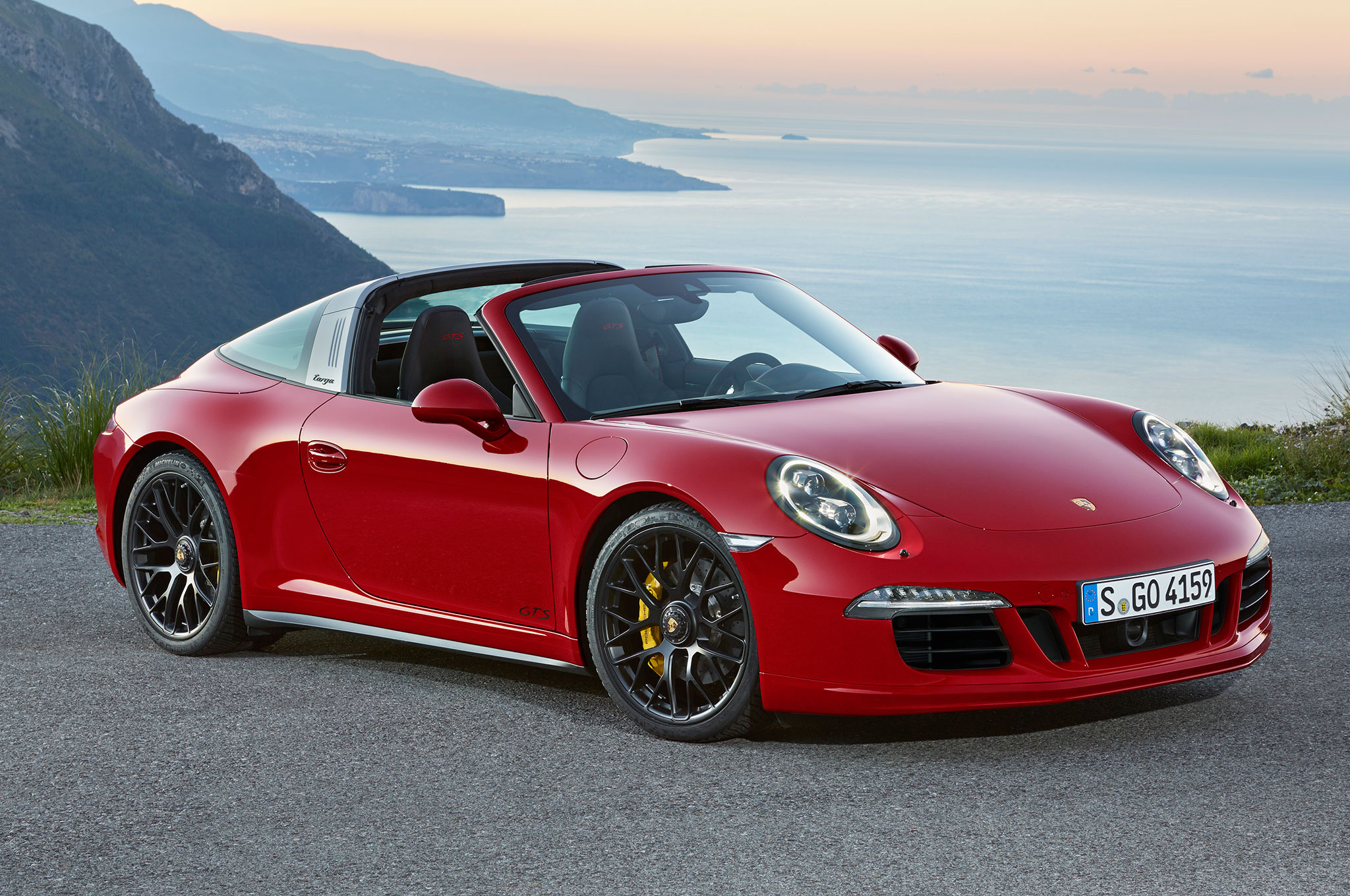 2015 porsche 911 gts cabriolet review. Black Bedroom Furniture Sets. Home Design Ideas