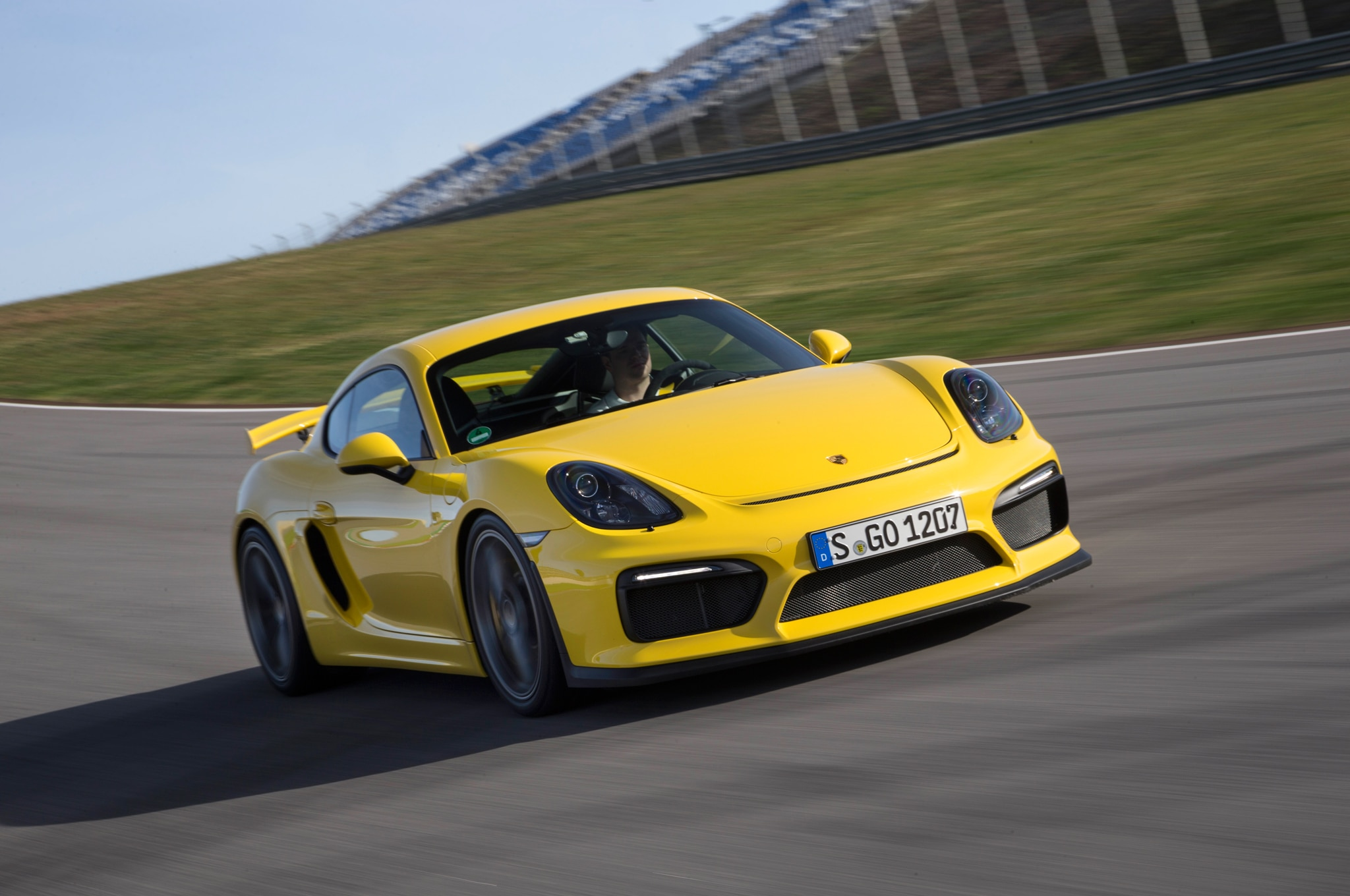 porsche cayman gt4 clubsport racer packs 385 hp gt3 suspension. Black Bedroom Furniture Sets. Home Design Ideas