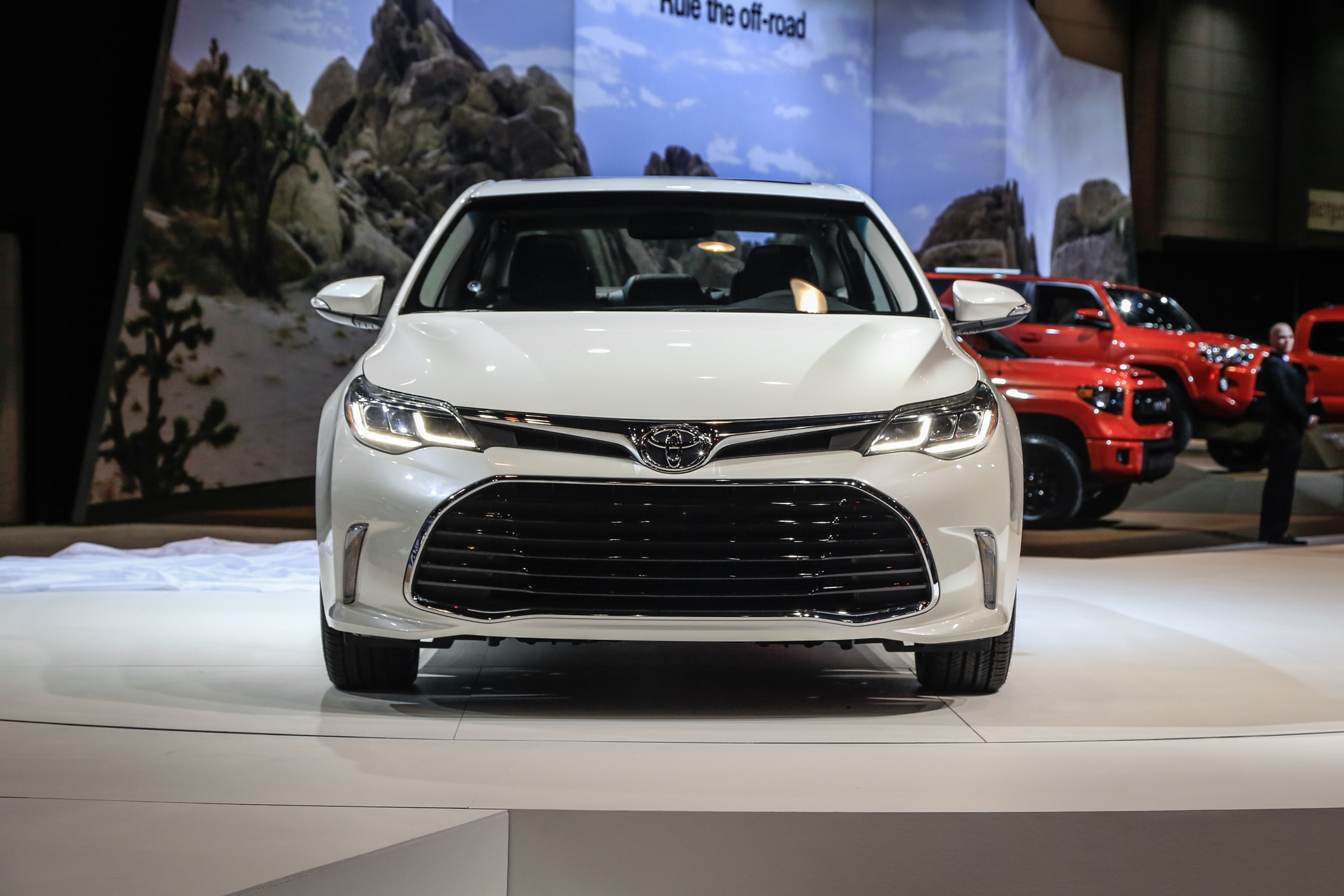 2016 toyota avalon updated for chicago auto show. Black Bedroom Furniture Sets. Home Design Ideas