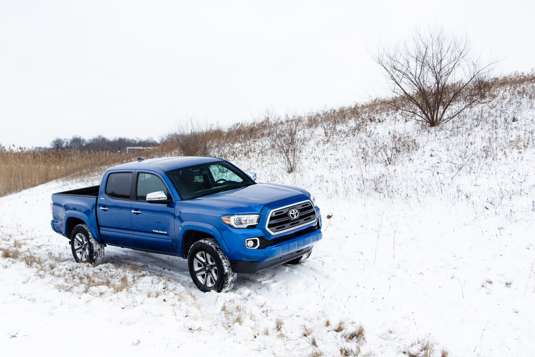 2016 toyota tacoma review. Black Bedroom Furniture Sets. Home Design Ideas