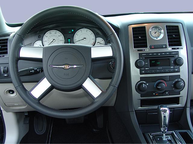 2005 Chrysler 300 - Intellichoice Review - Automobile Magazine
