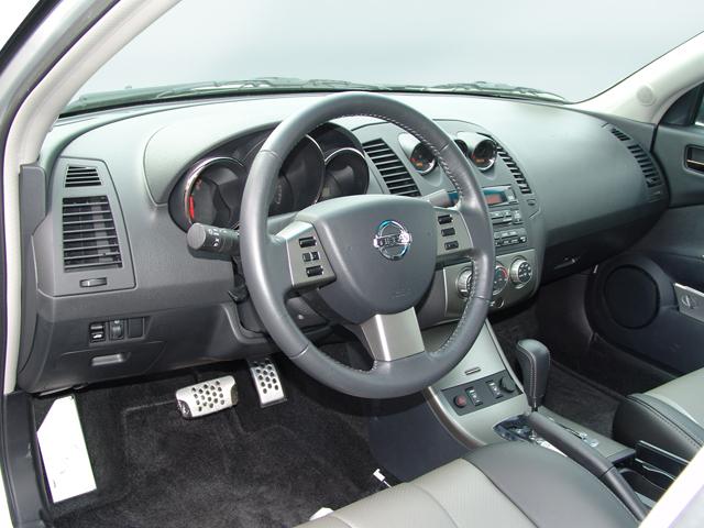 2005 Nissan Altima Se R Road Test Amp Review Automobile