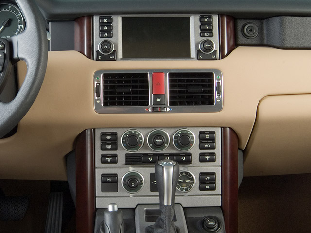 http://st.automobilemag.com/uploads/sites/10/2015/11/2006-land-rover-range-rover-hse-suv-instrument-panel.png