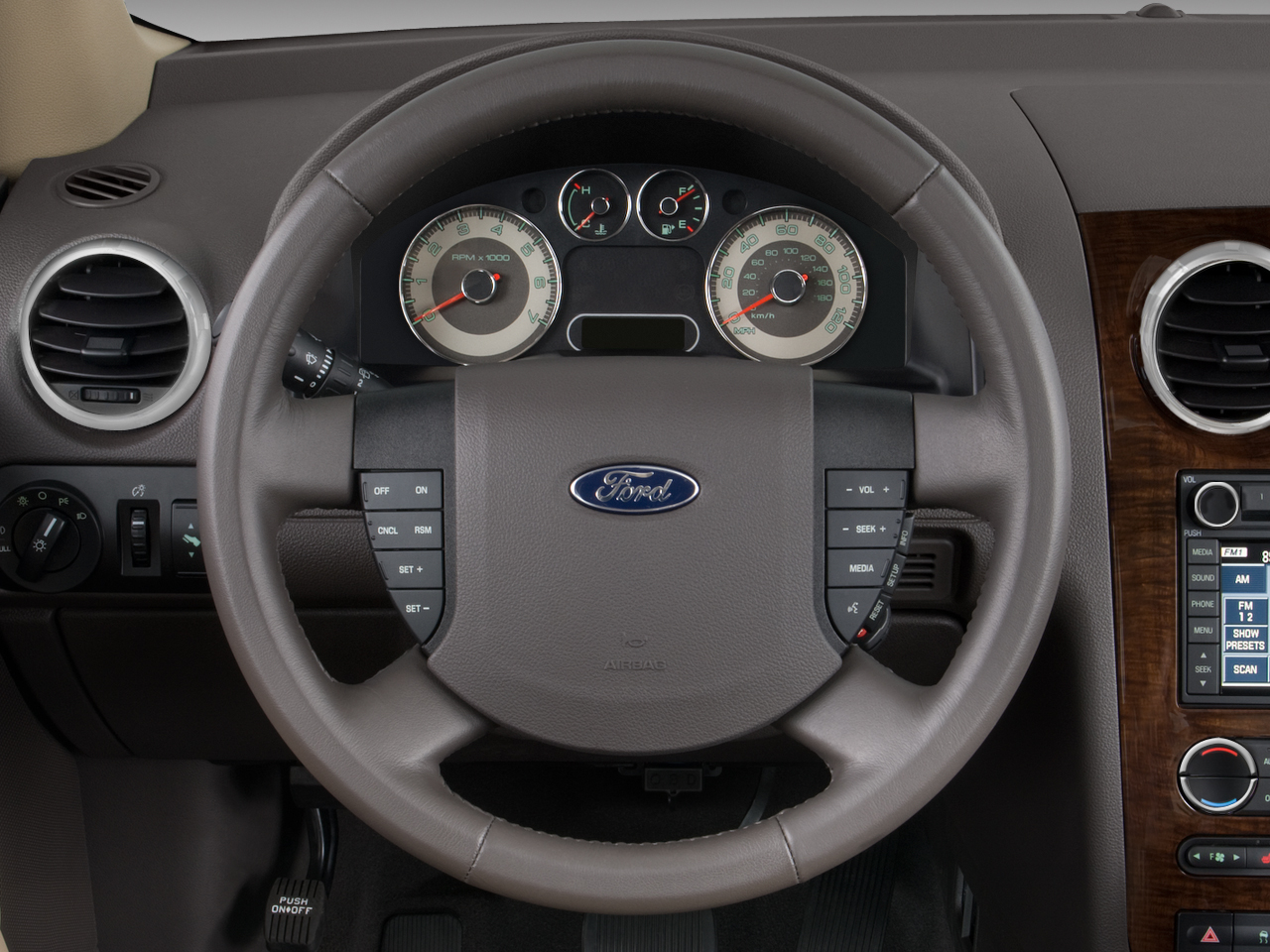 http://st.automobilemag.com/uploads/sites/10/2015/11/2008-ford-taurusx-limited-awd-suv-steering-wheel.png