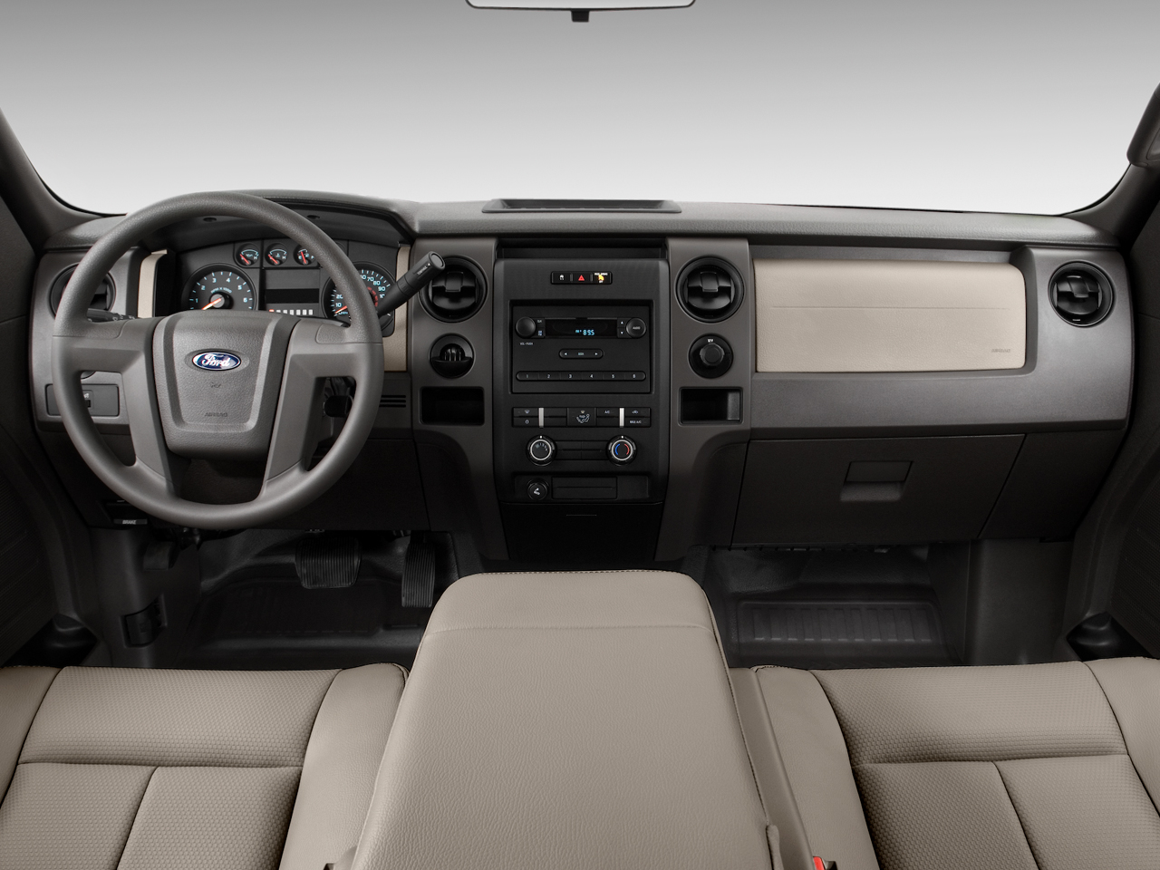 Truck Cab Inside >> 2009 Ford F150 - Ford Pickup Truck Review - Automobile Magazine