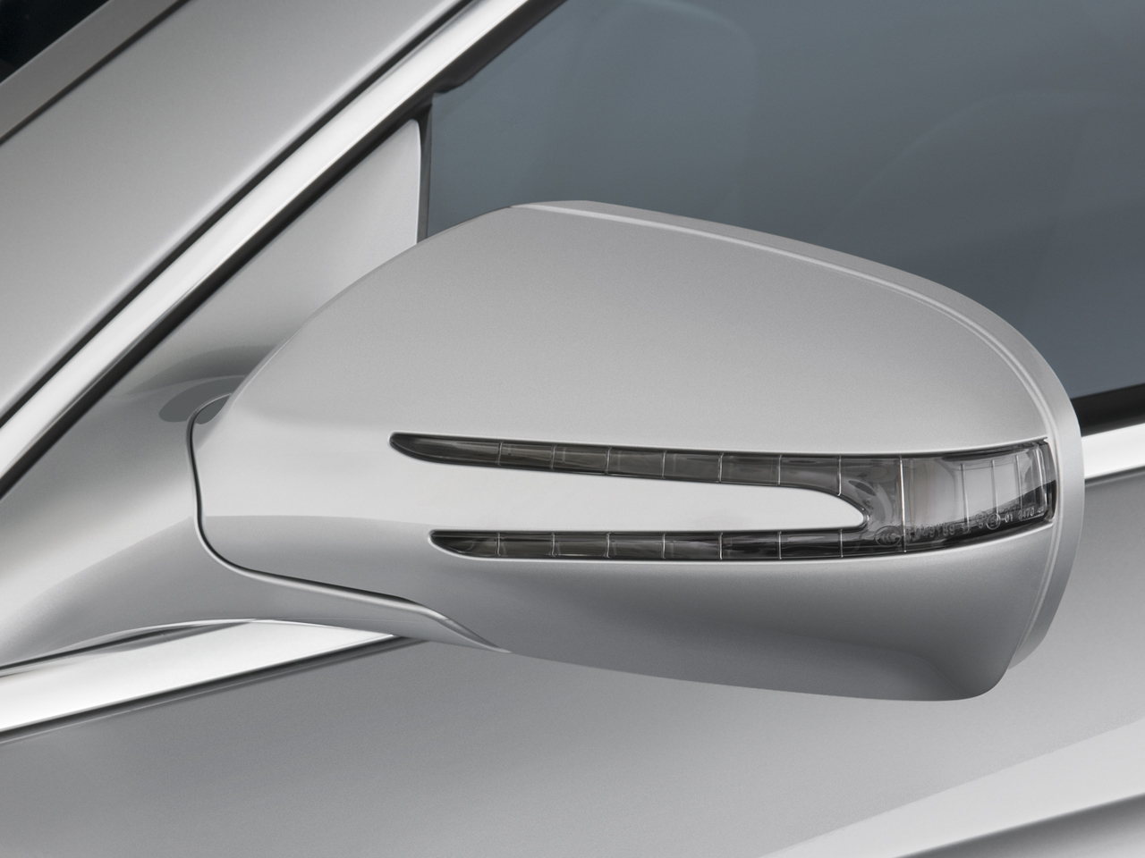 2009 mercedes benz cls550 mercedes benz luxury sedan for Mercedes benz mirror