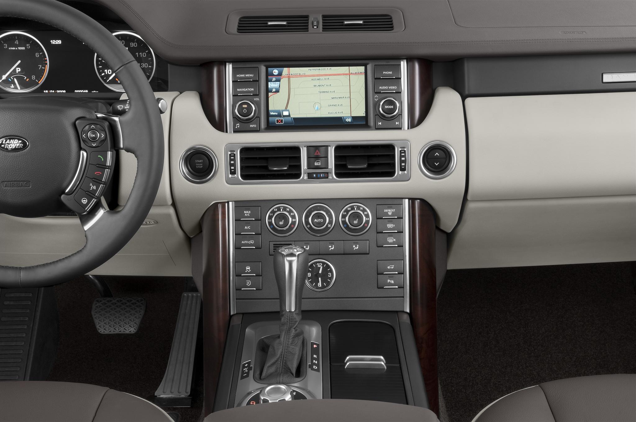 http://st.automobilemag.com/uploads/sites/10/2015/11/2010-land-rover-range-rover-hse-suv-instrument-panel.png