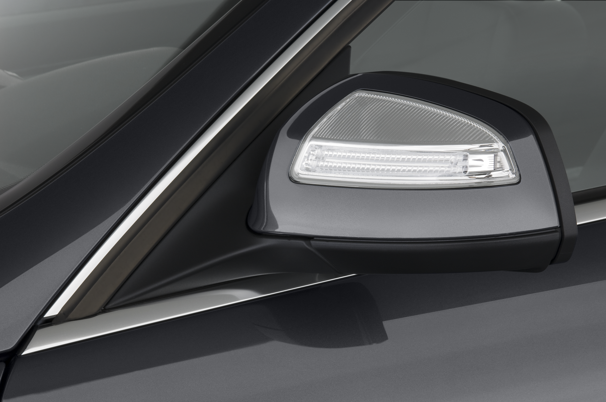 2010 mercedes benz c63 amg automobile magazine for Mercedes benz mirror
