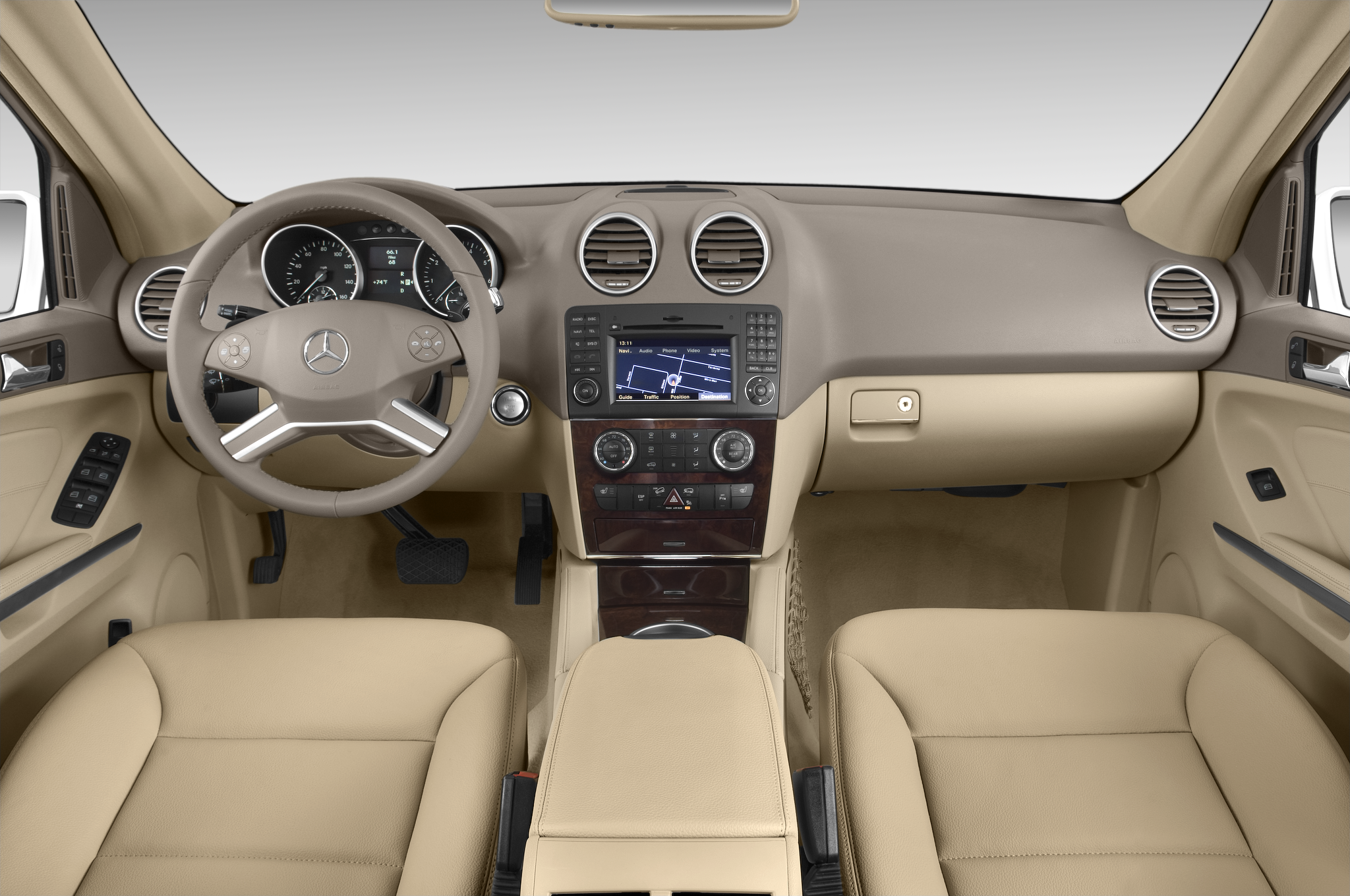 2010 mercedes benz ml450 hybrid 4matic launches today for for Mercedes benz dashboard