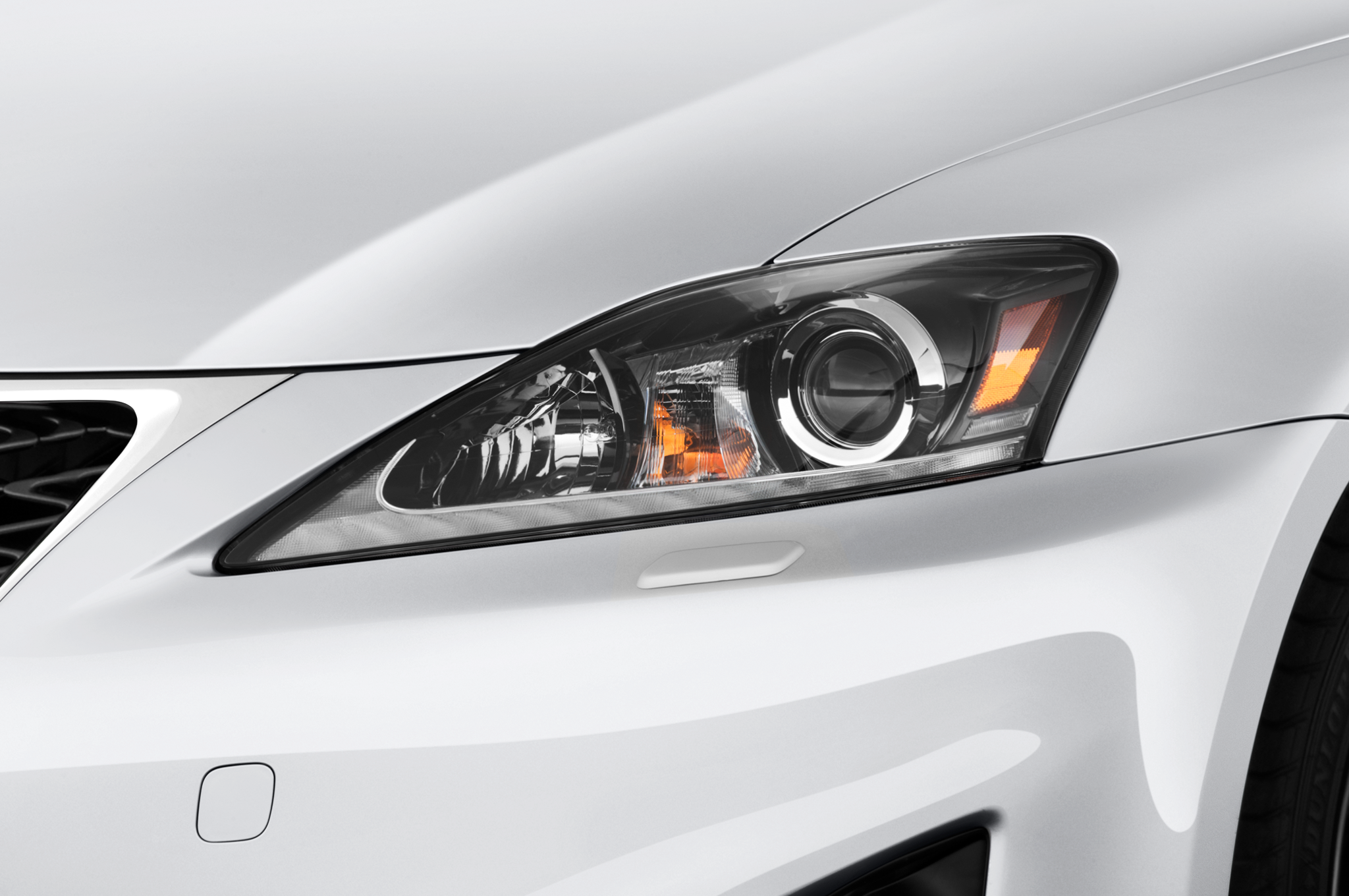 http://st.automobilemag.com/uploads/sites/10/2015/11/2011-lexus-is-350-rwd-sedan-headlight.png