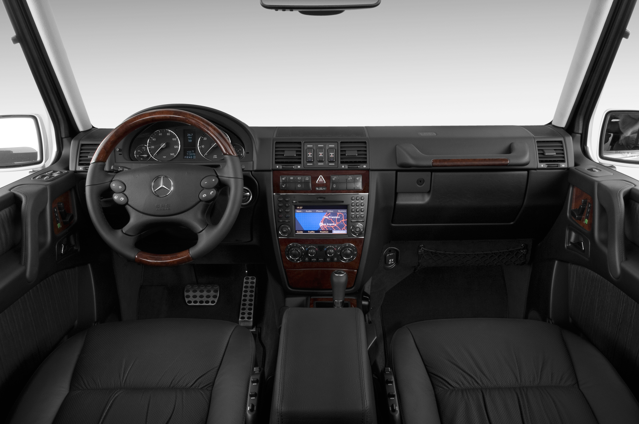 Spied mercedes benz g55 amg gains mild facelift for Mercedes benz dashboard
