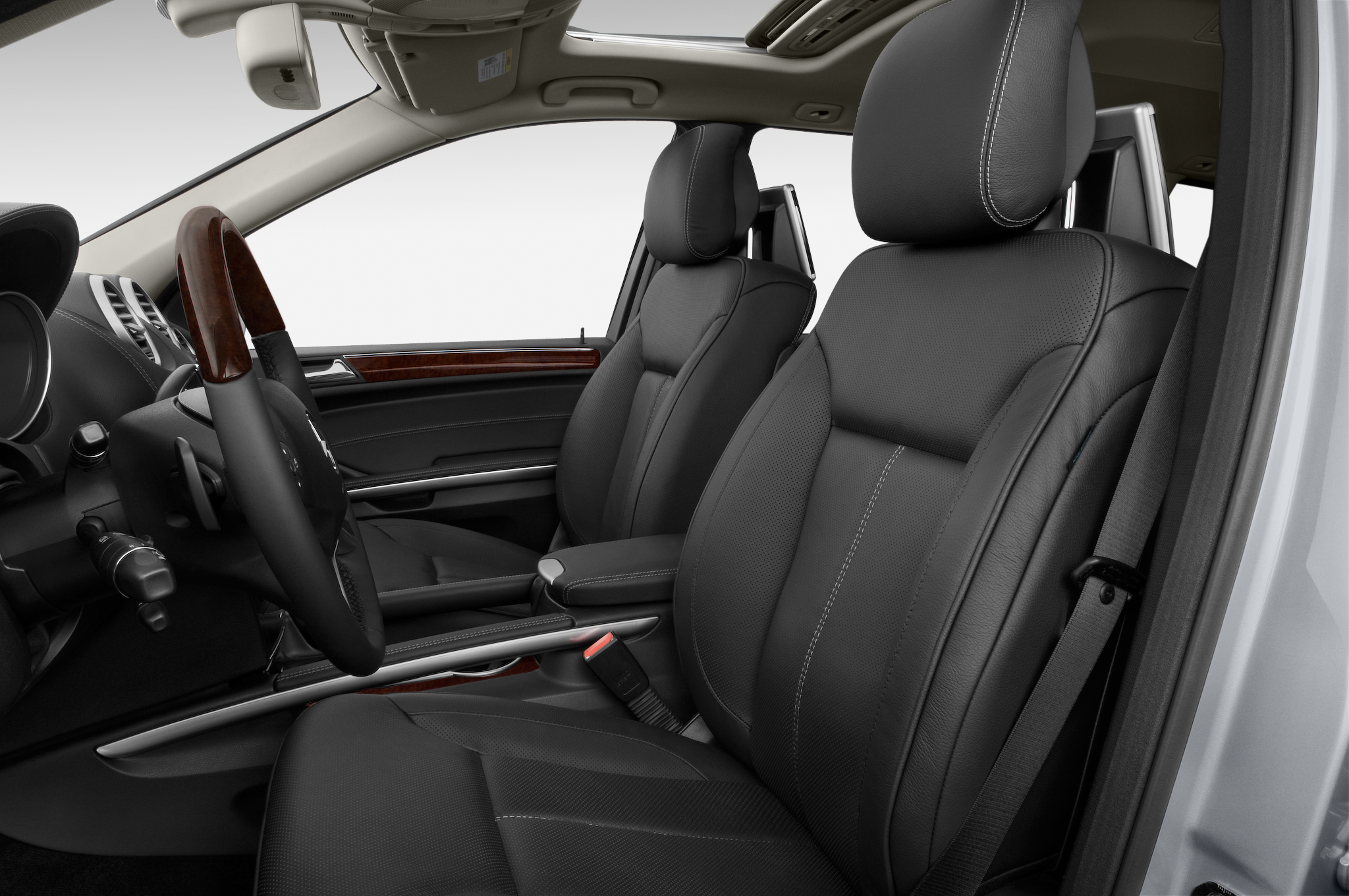 Mercedes to harness the power of twitter and celebrities for 2015 mercedes benz gl class seating capacity
