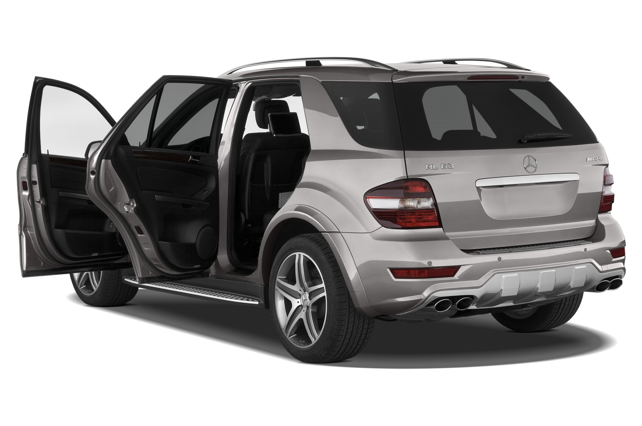 2011 mercedes benz ml63 amg editor 39 s notebook for Mercedes benz amg ml63