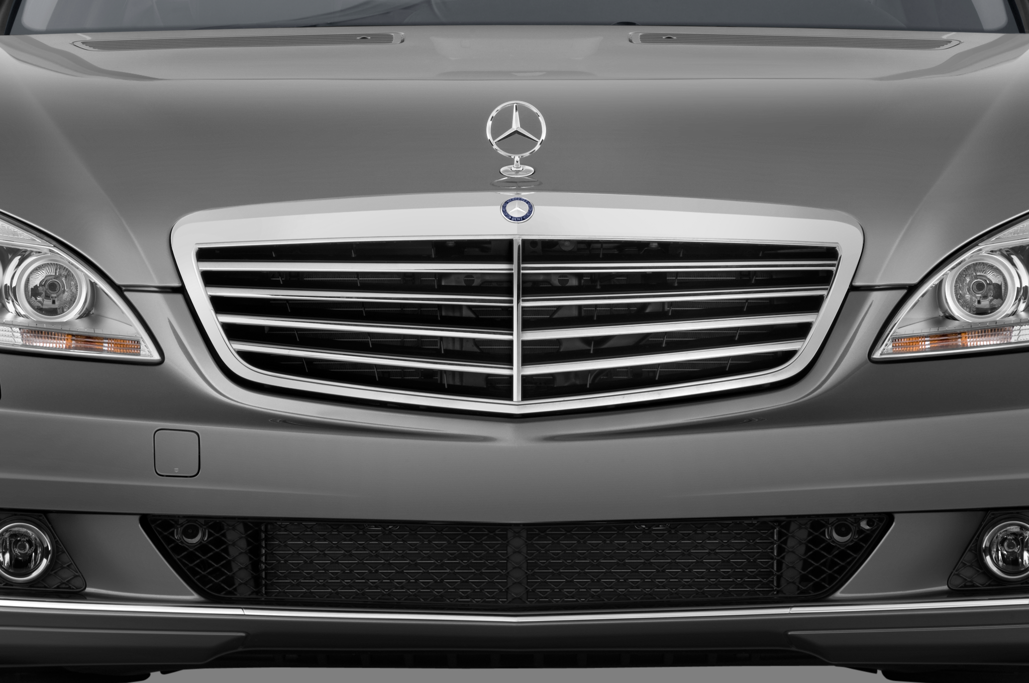 2011 mercedes benz s550 4matic automobile magazine for 2011 mercedes benz e350 grill