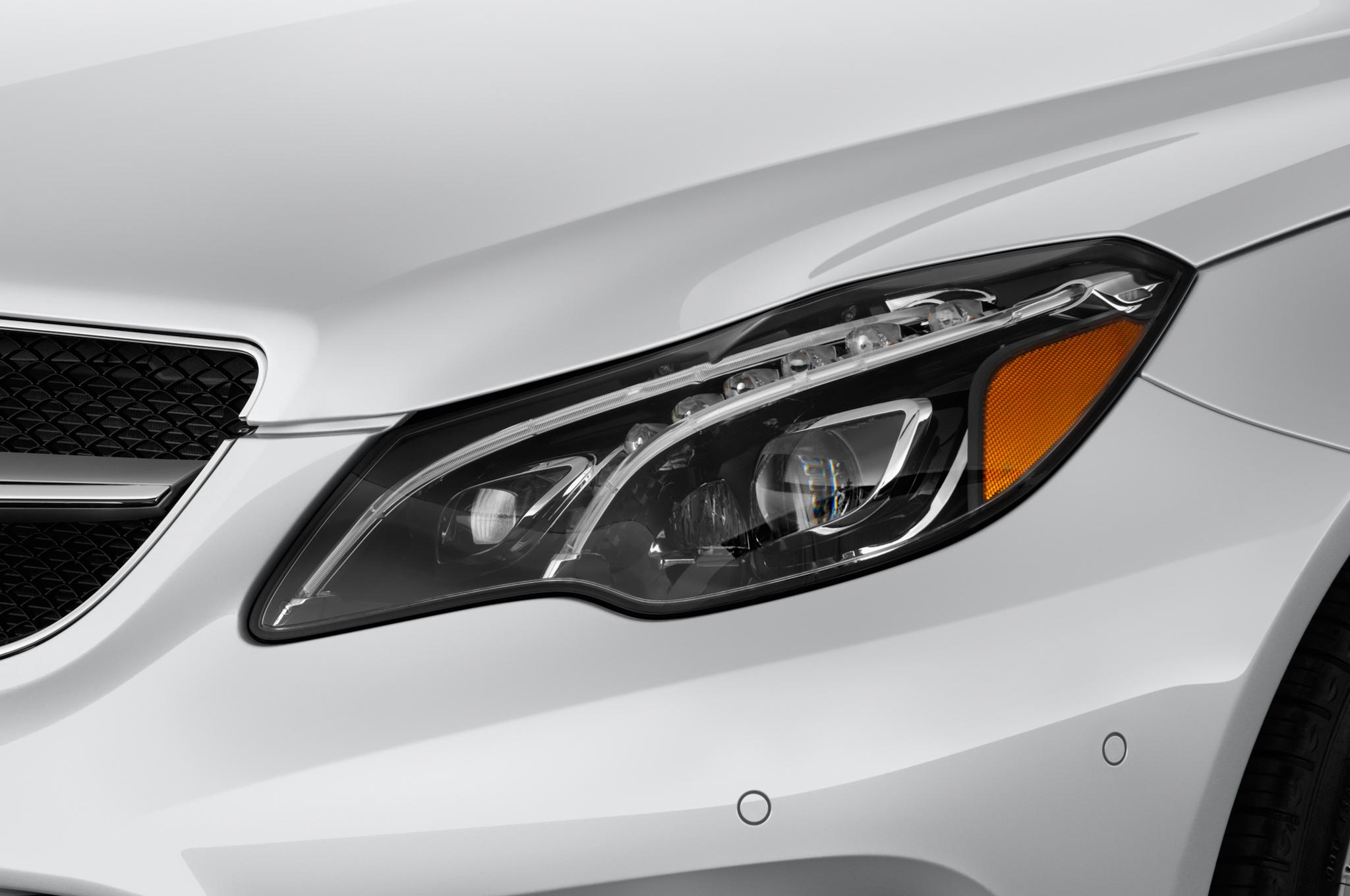 2015 mercedes benz e250 bluetec review for Mercedes benz lights