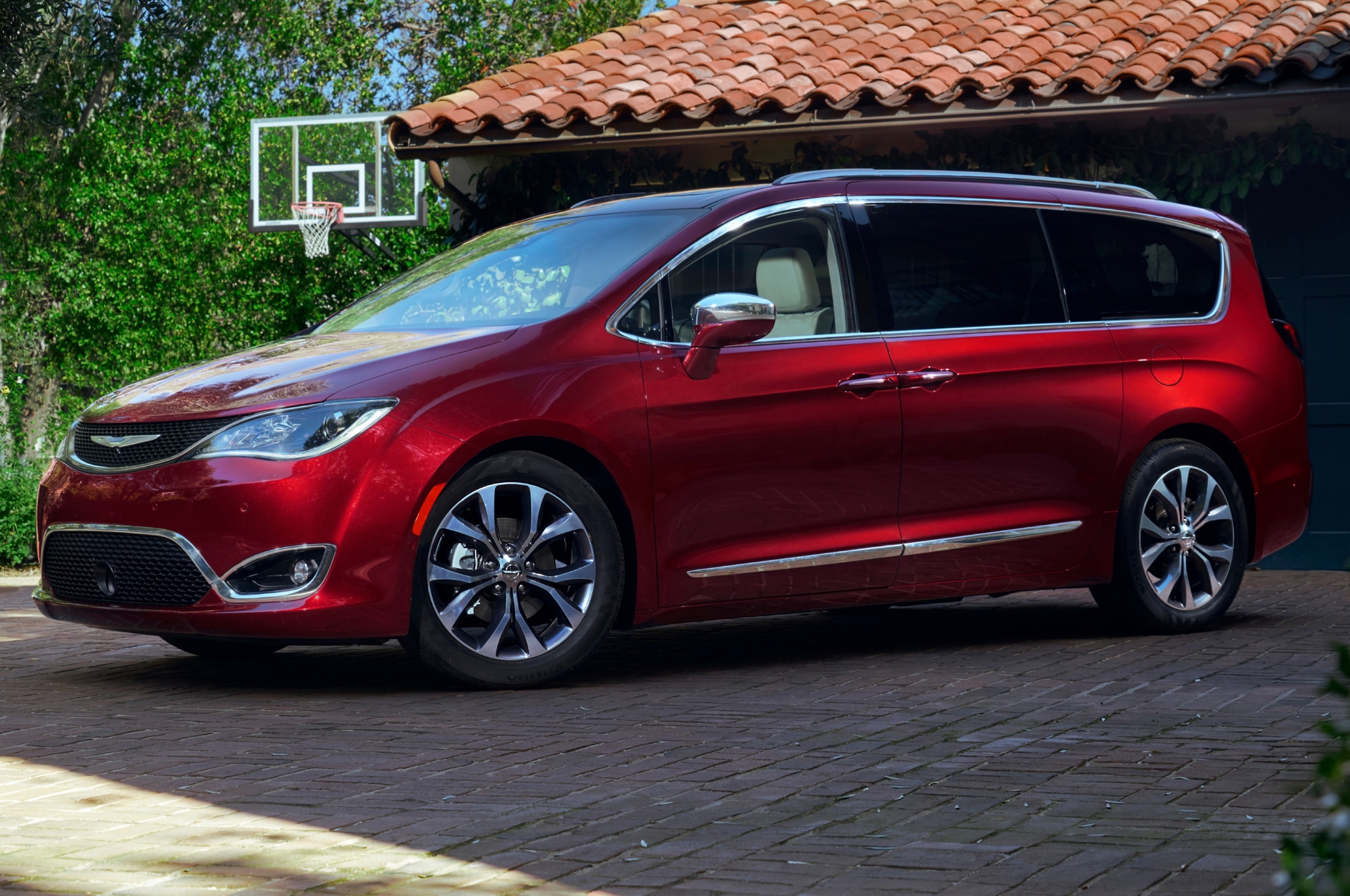 6 things you didn 39 t know about the 2017 chrysler pacifica. Black Bedroom Furniture Sets. Home Design Ideas