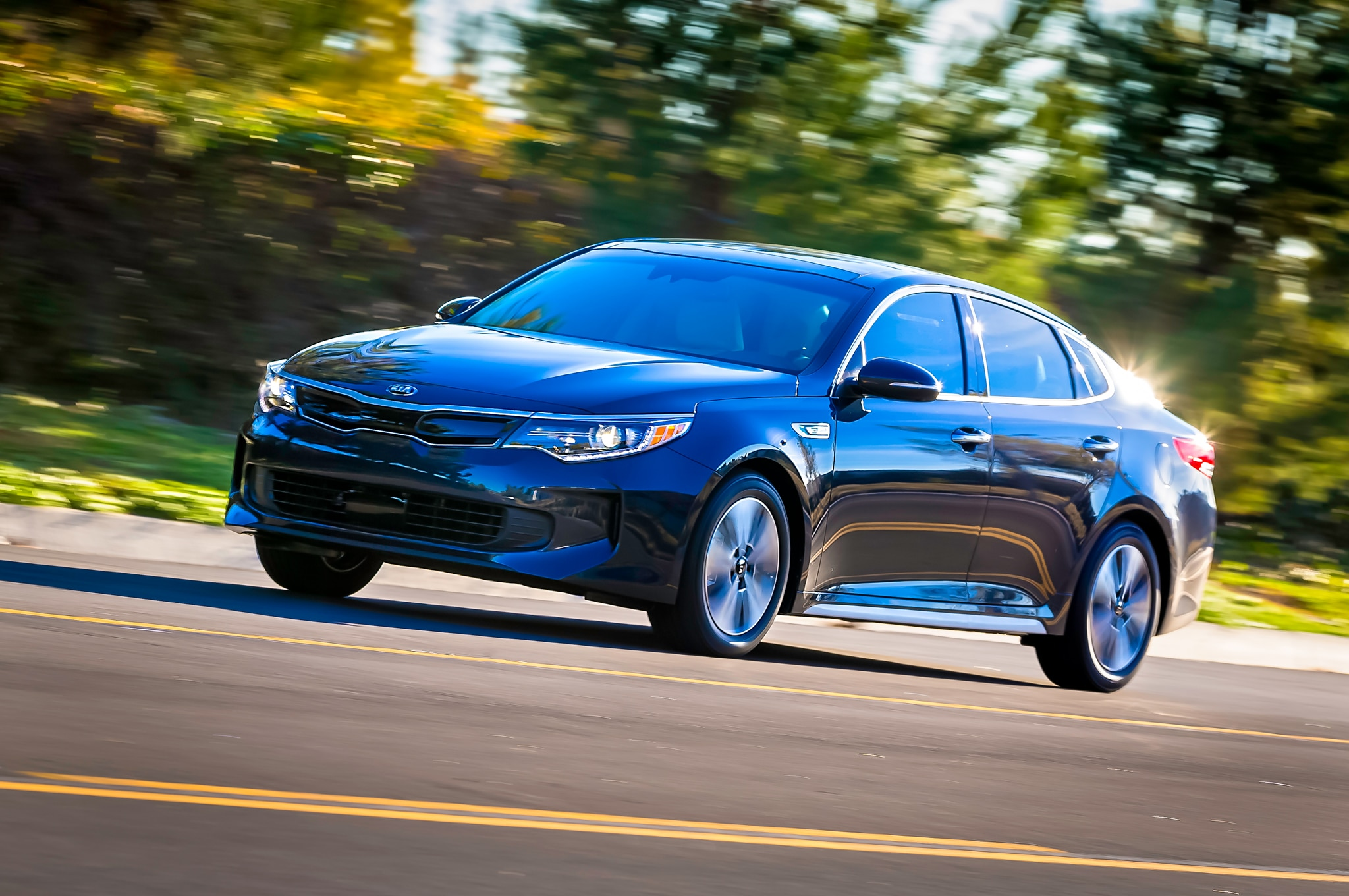2017 kia optima hybrid brings improved efficiency new plug in model. Black Bedroom Furniture Sets. Home Design Ideas