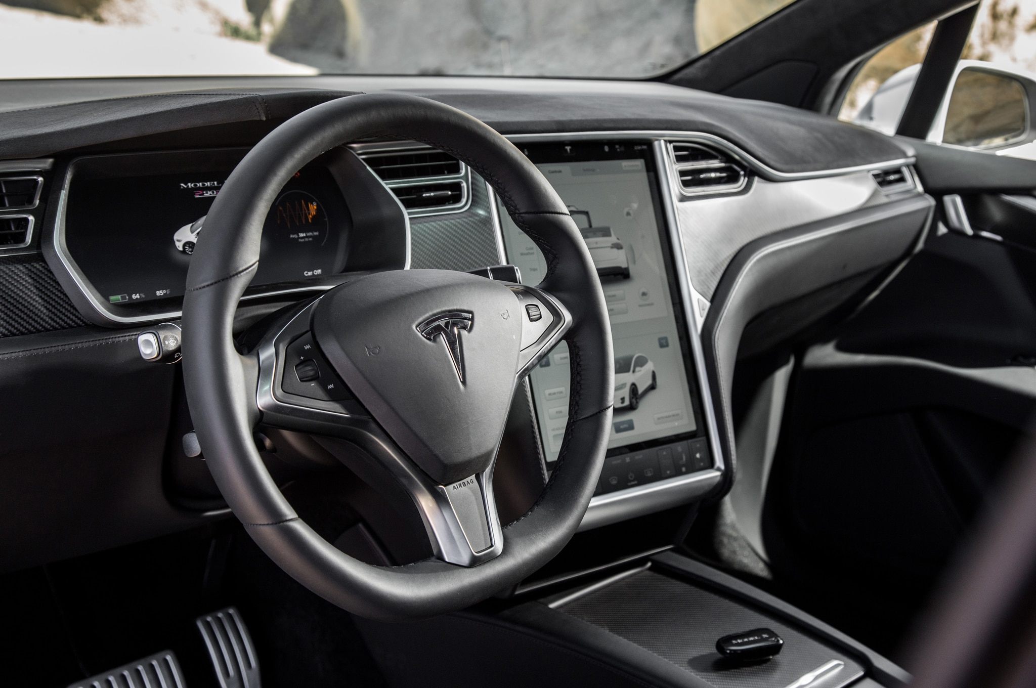 Tesla suv interior tesla image for Tesla model x interieur