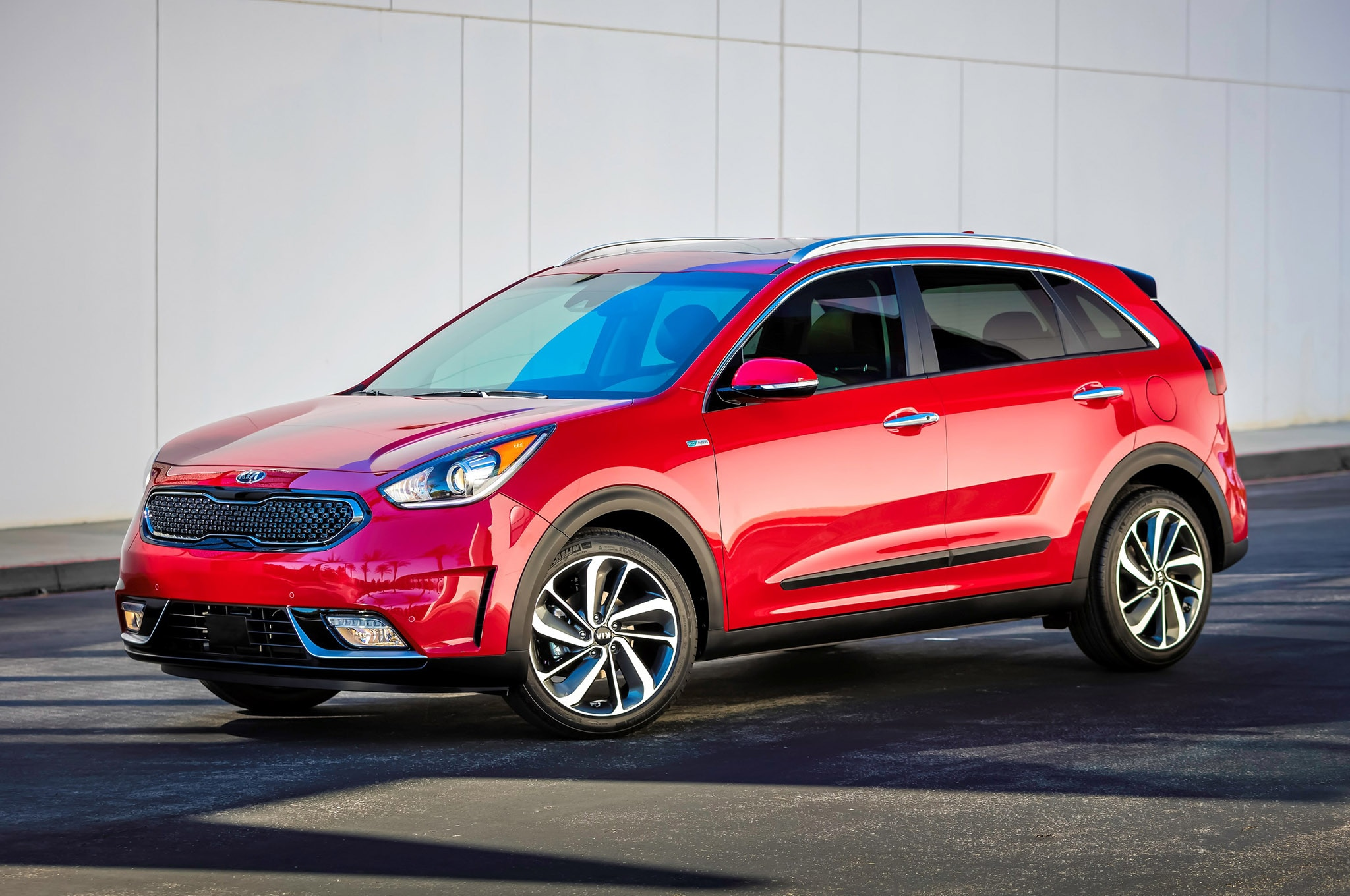 5 things you didn t know about the 2017 kia niro hybrid. Black Bedroom Furniture Sets. Home Design Ideas