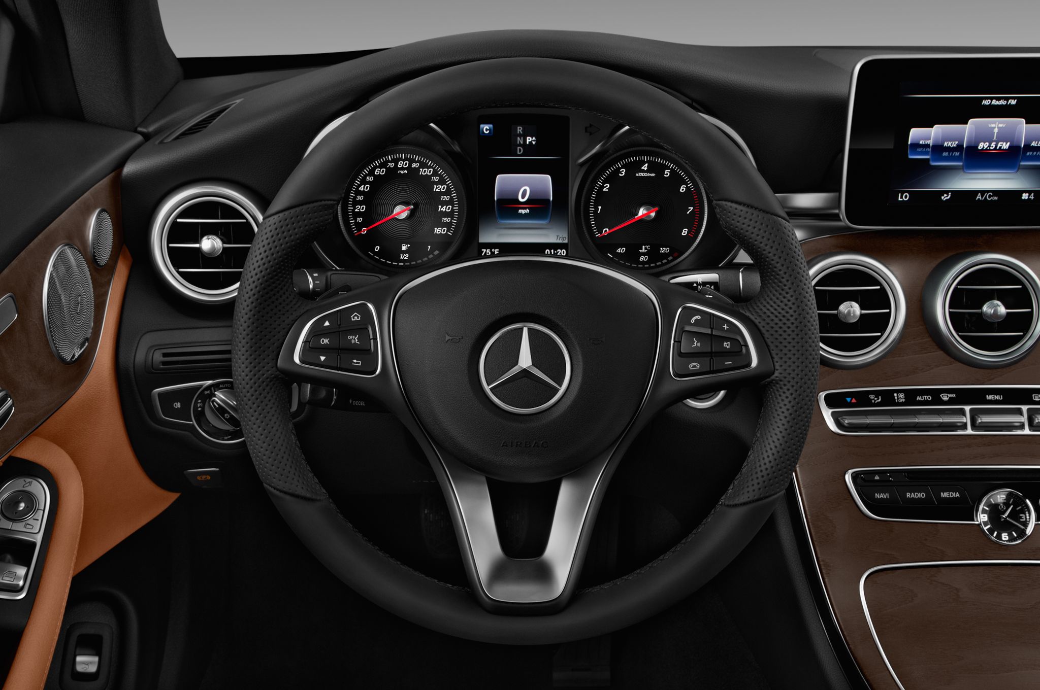 http://st.automobilemag.com/uploads/sites/10/2016/06/2017-mercedes-benz-c-class-c300-coupe-steering-wheel.png
