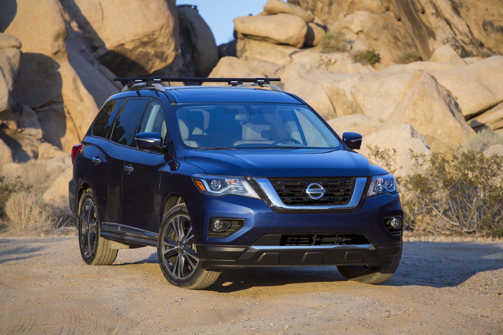 2017 nissan pathfinder seven things to know automobile. Black Bedroom Furniture Sets. Home Design Ideas