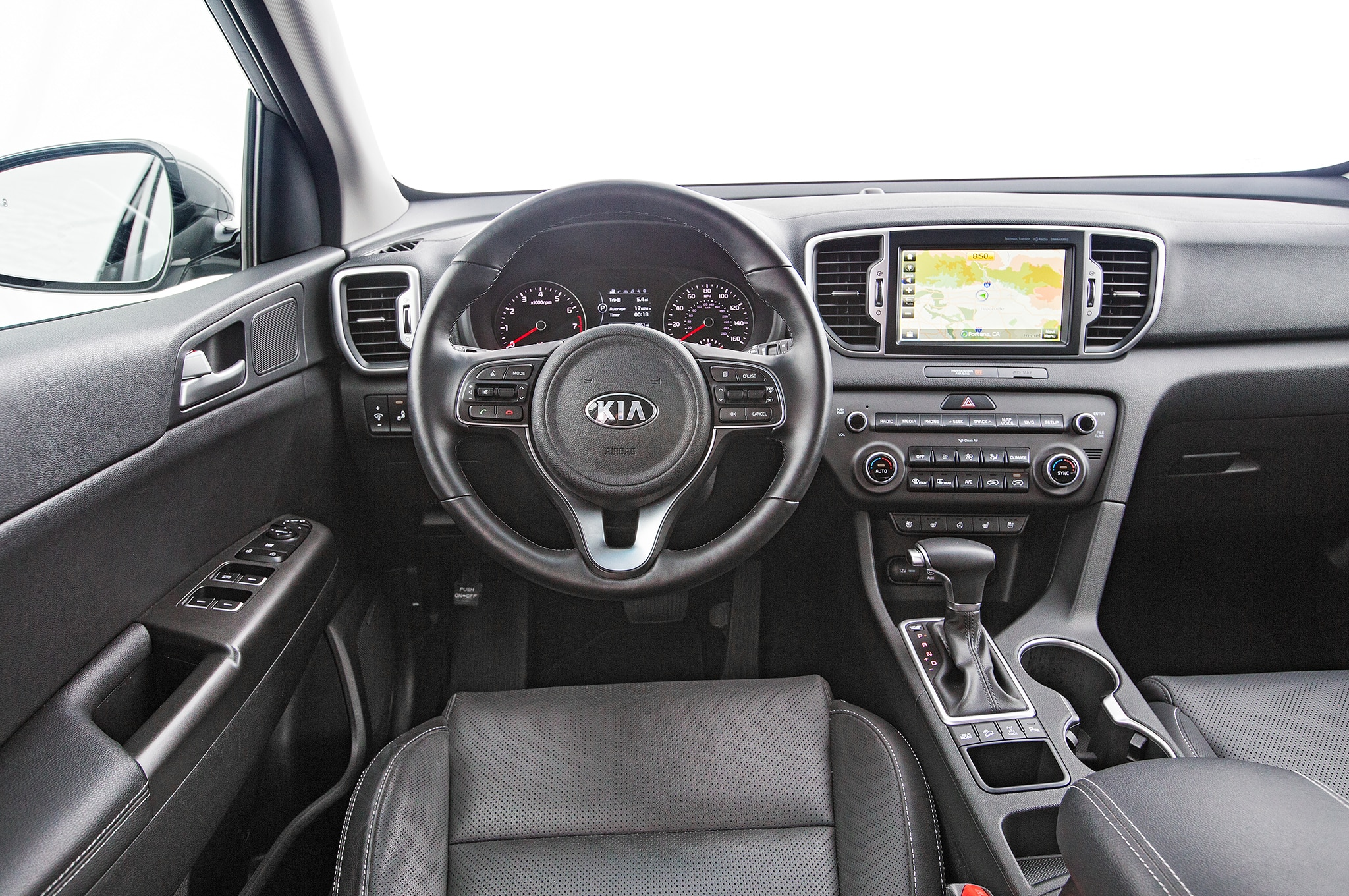 2017 kia sportage shows its interior ahead of frankfurt