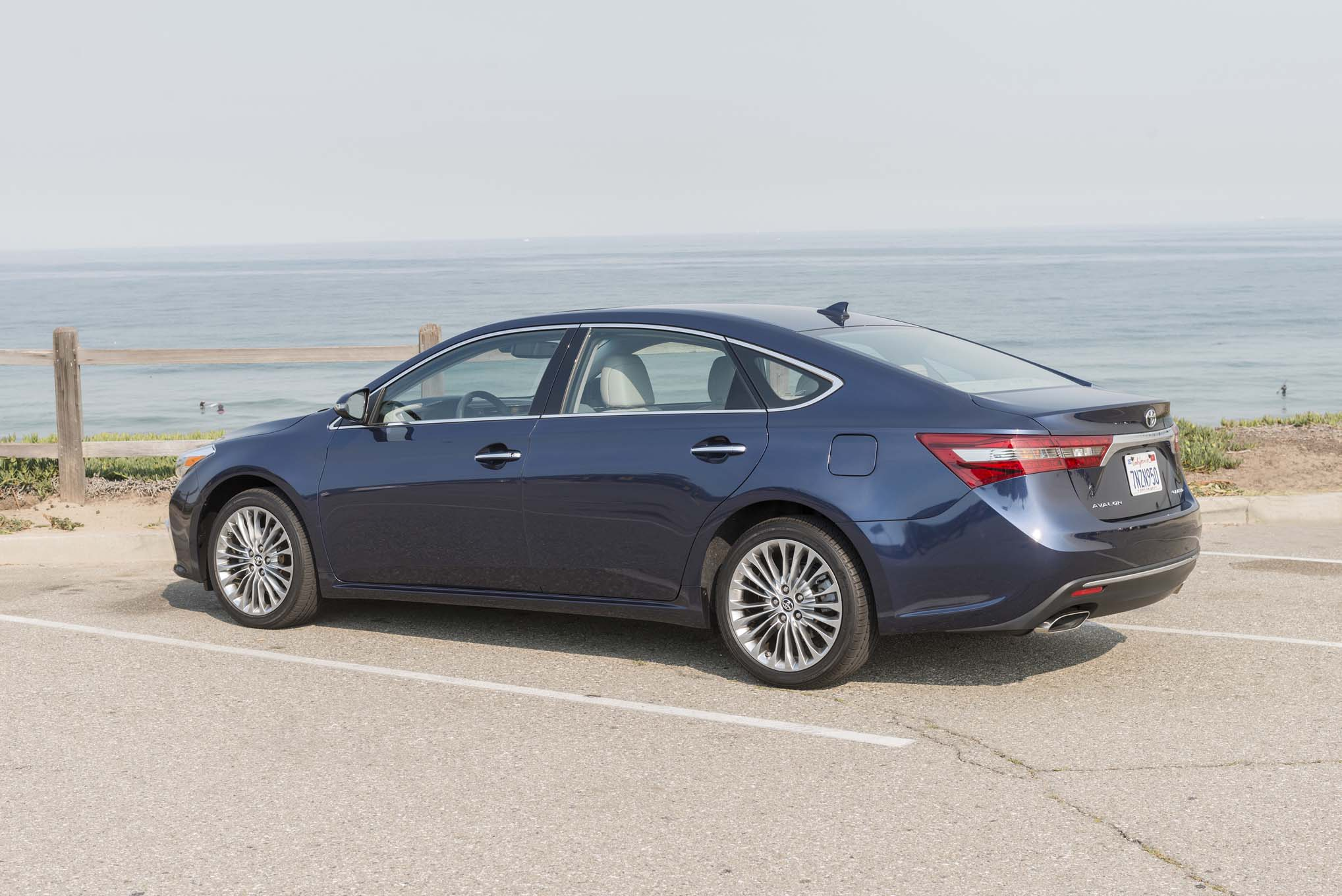 2016 Toyota Avalon, Camry & Corolla Special Editions Coming to Chicago