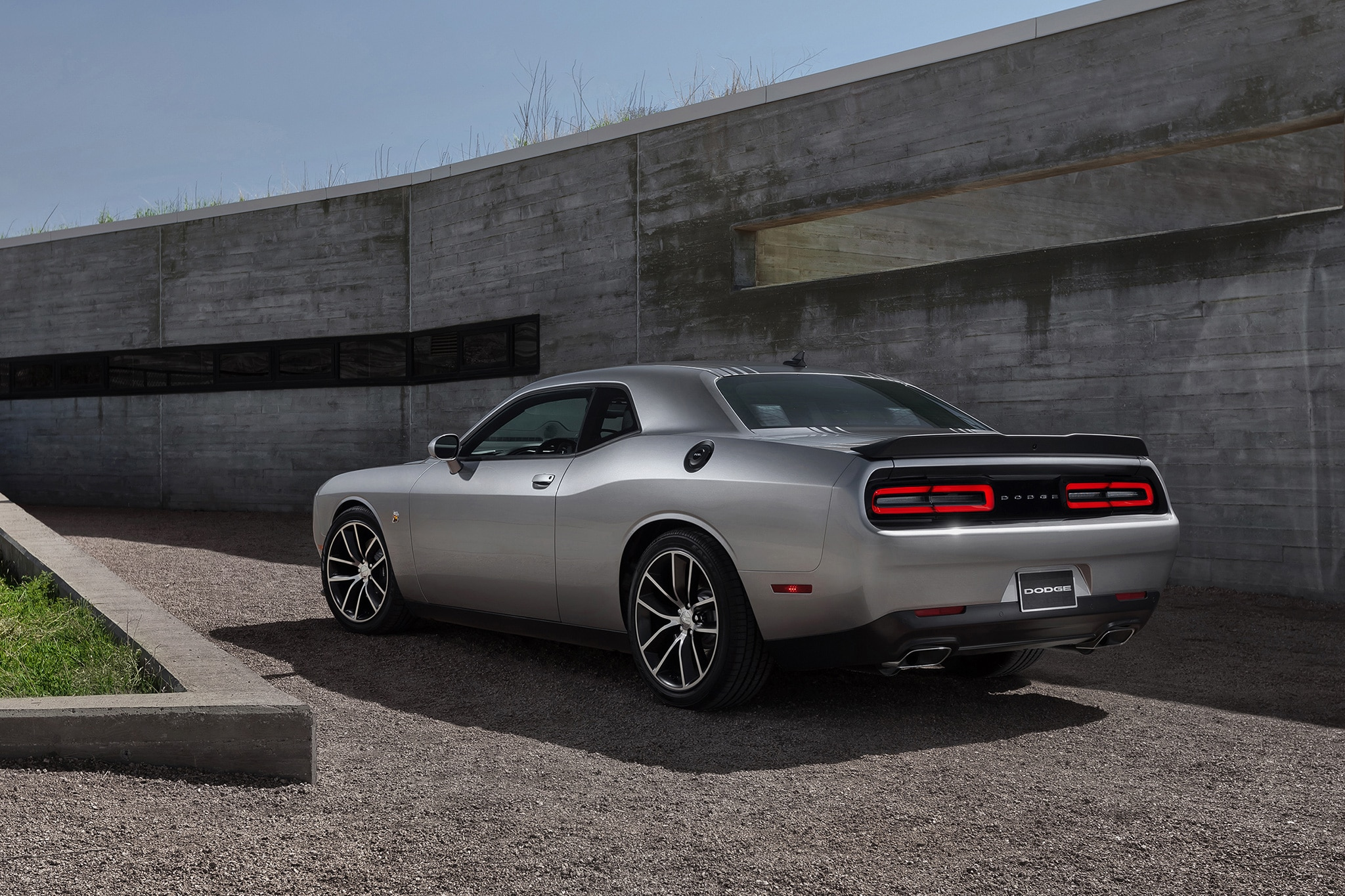 2017 dodge challenger t a and charger daytona add retro flair more muscle automobile magazine. Black Bedroom Furniture Sets. Home Design Ideas