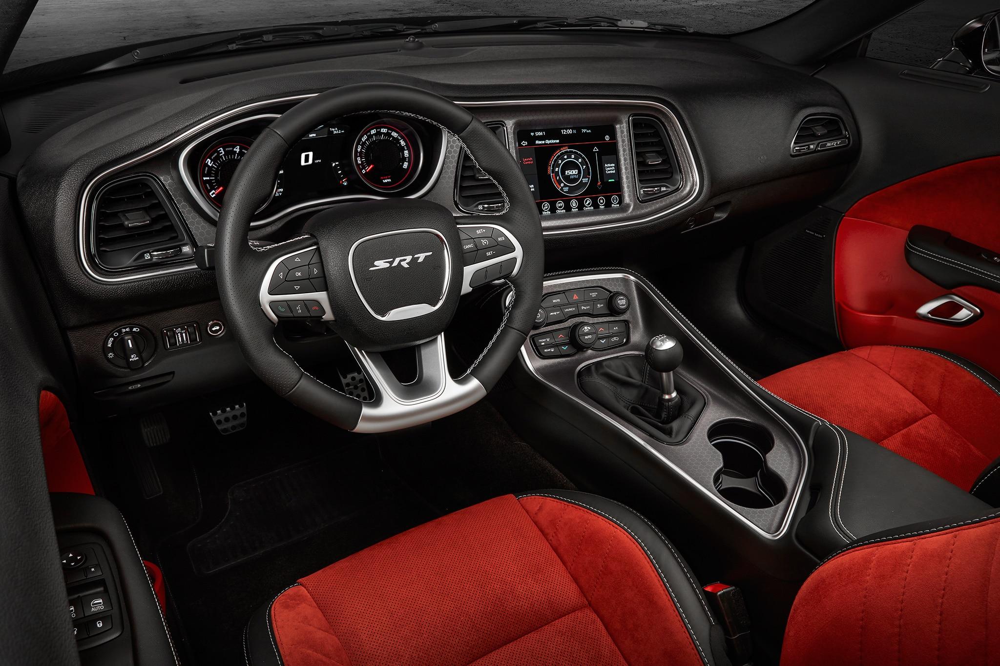 2017-Dodge-Challenger-SRT-392-cabin-01