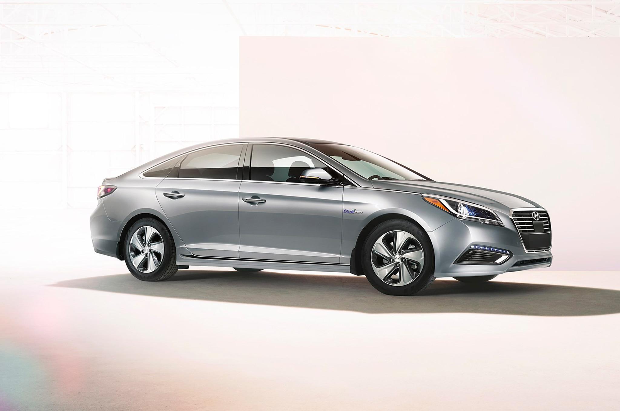 2017 hyundai sonata hybrid gets android auto carplay automobile magazine. Black Bedroom Furniture Sets. Home Design Ideas
