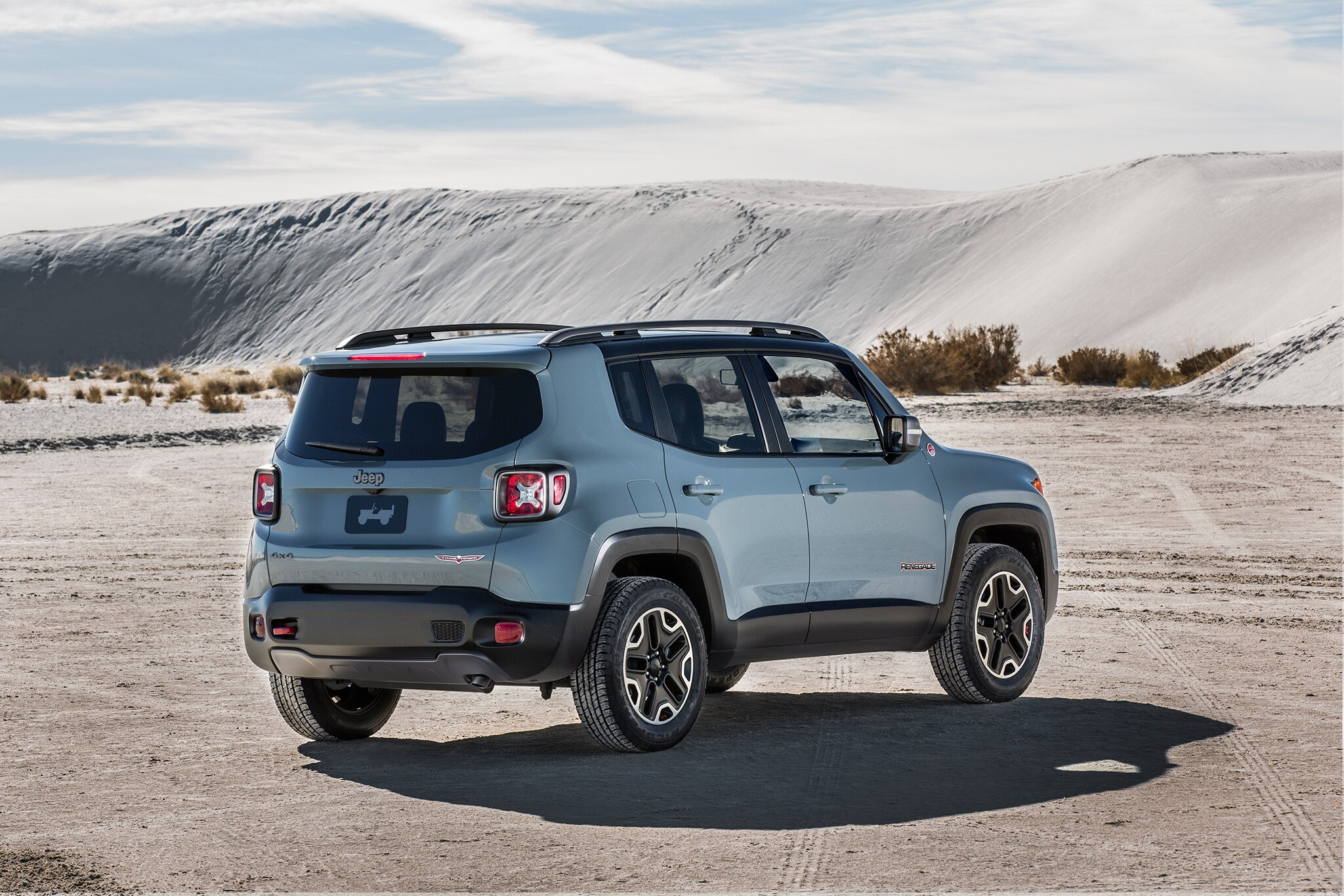 new 2017 jeep renegade deserthawk to debut at l a auto. Black Bedroom Furniture Sets. Home Design Ideas