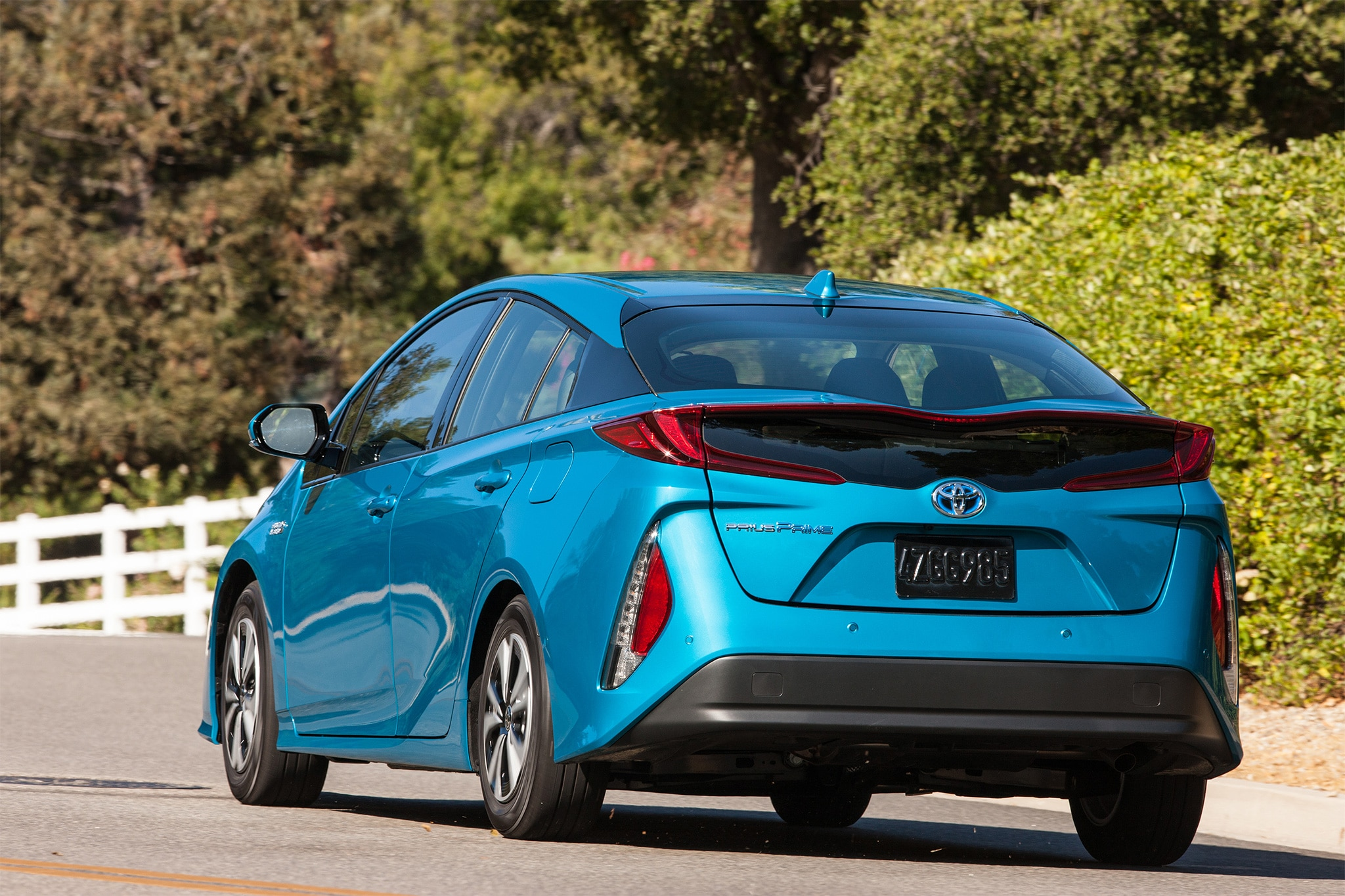 5 things to know about the 2017 toyota prius prime plug in. Black Bedroom Furniture Sets. Home Design Ideas