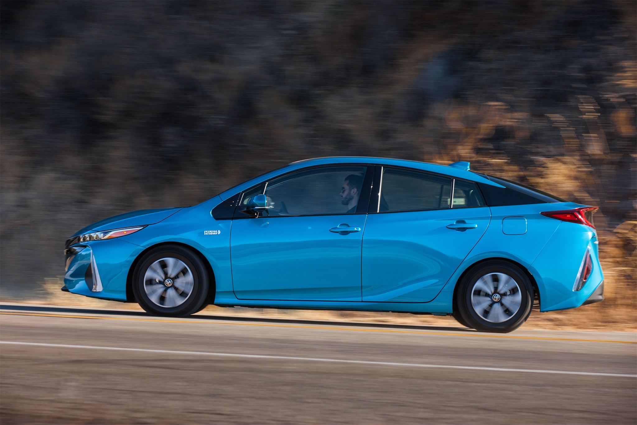 5 things to know about the 2017 toyota prius prime plug in hybrid automobile magazine. Black Bedroom Furniture Sets. Home Design Ideas