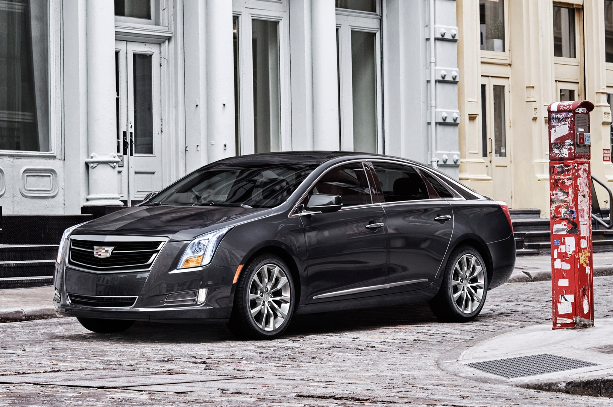 cadillac to introduce super cruise self driving feature by 2017. Black Bedroom Furniture Sets. Home Design Ideas