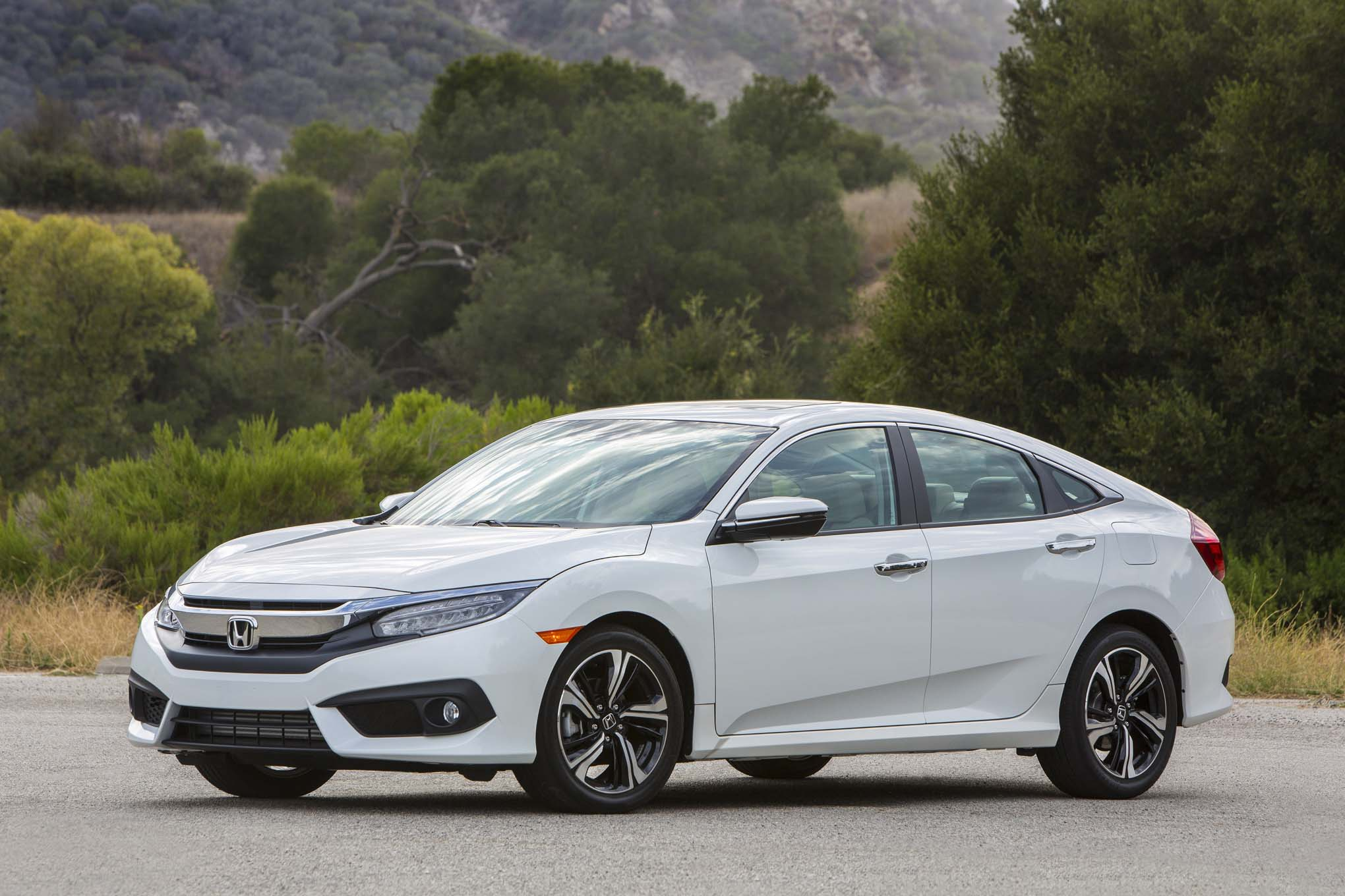 2017 honda civic hatchback starts at 20 535 automobile - 2016 honda civic si coupe interior ...
