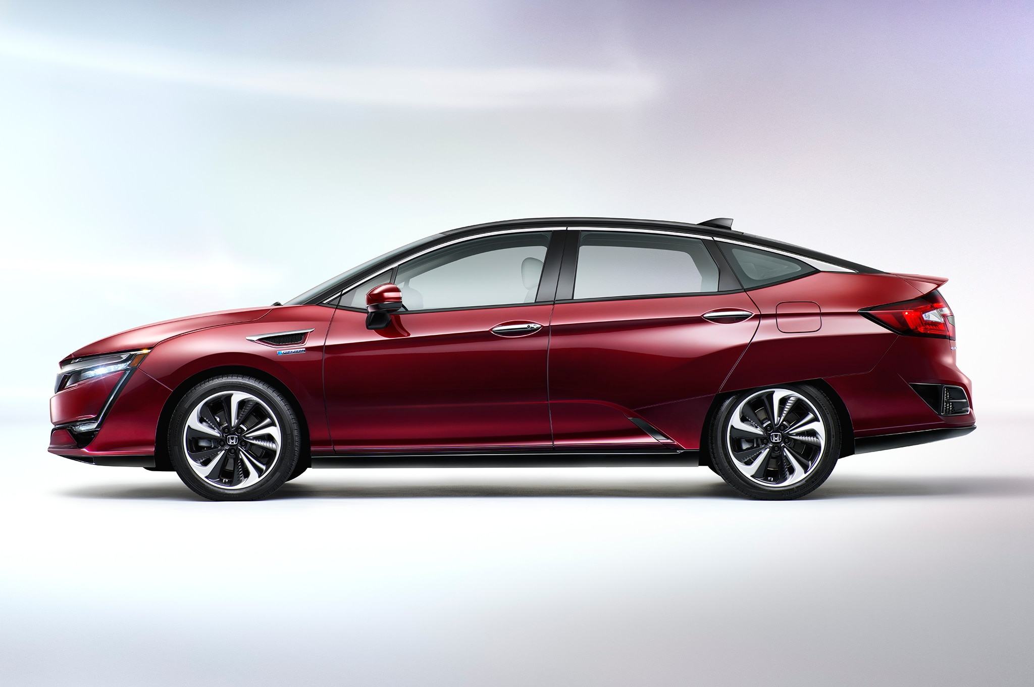 Luxury First Drive 2017 Honda Clarity Fuel Cell  Automobile