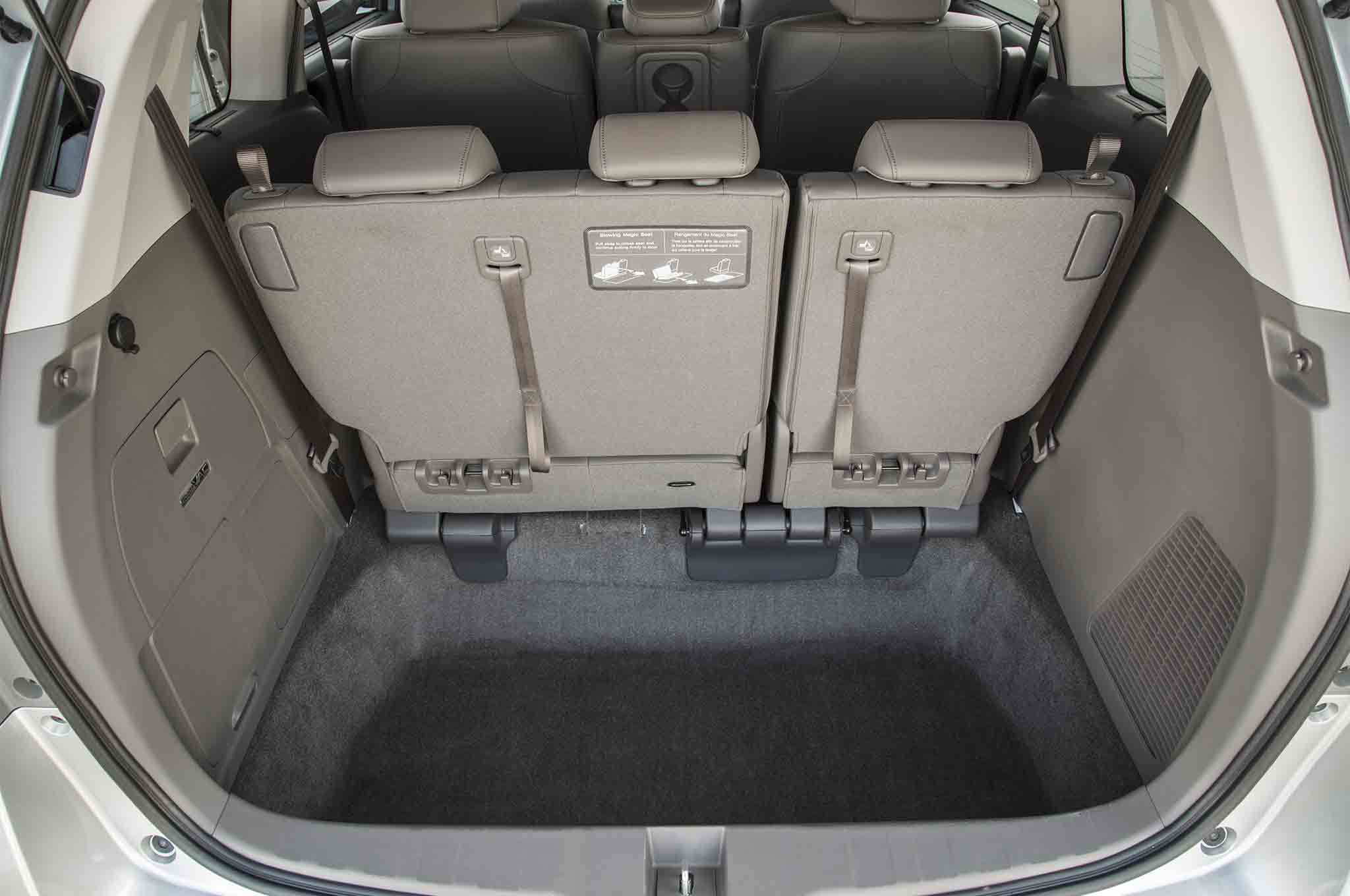 2018 honda odyssey spied with updated lights lower grille automobile magazine. Black Bedroom Furniture Sets. Home Design Ideas